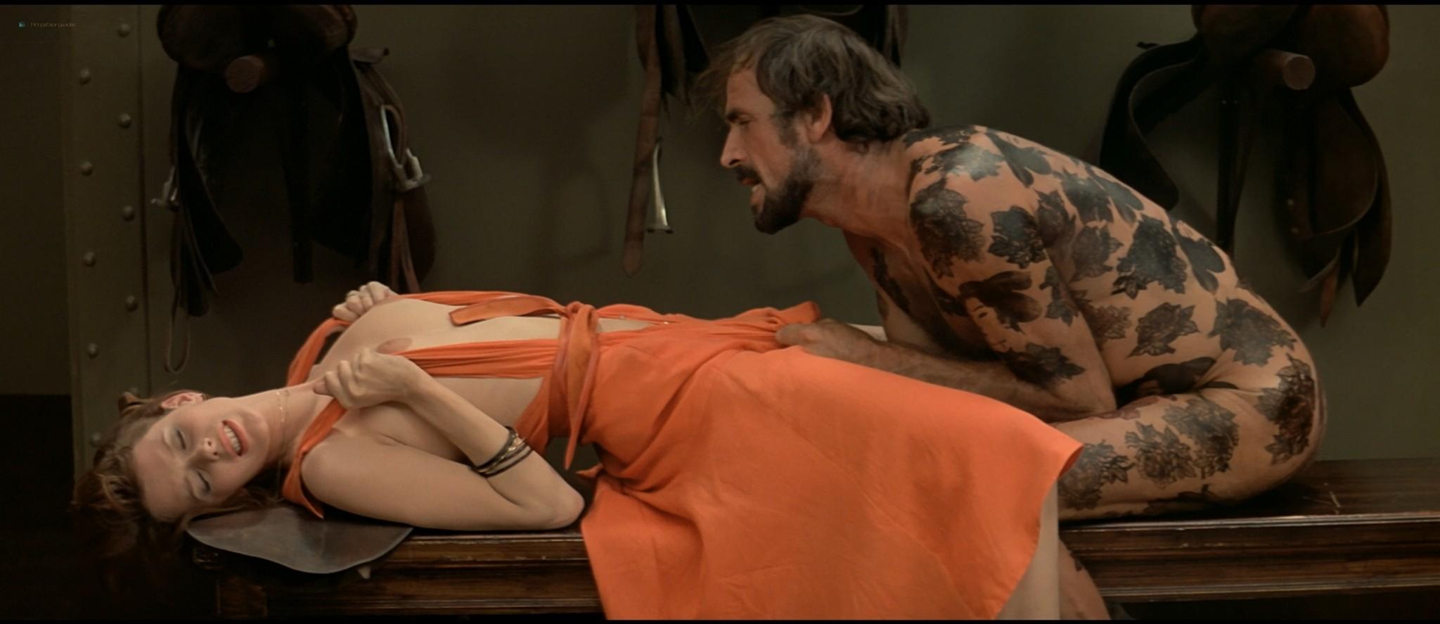 Sylvia Kristel nude sex threesome Catherine Rivet, Laura Gemser nude - Emmanuelle 2 (1975) HD 1080p REMUX (25)