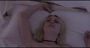 Dakota Fanning hot sex Evan Rachel Wood sexy - Viena and the Fantomes (2020) HD 1080p Web (5)