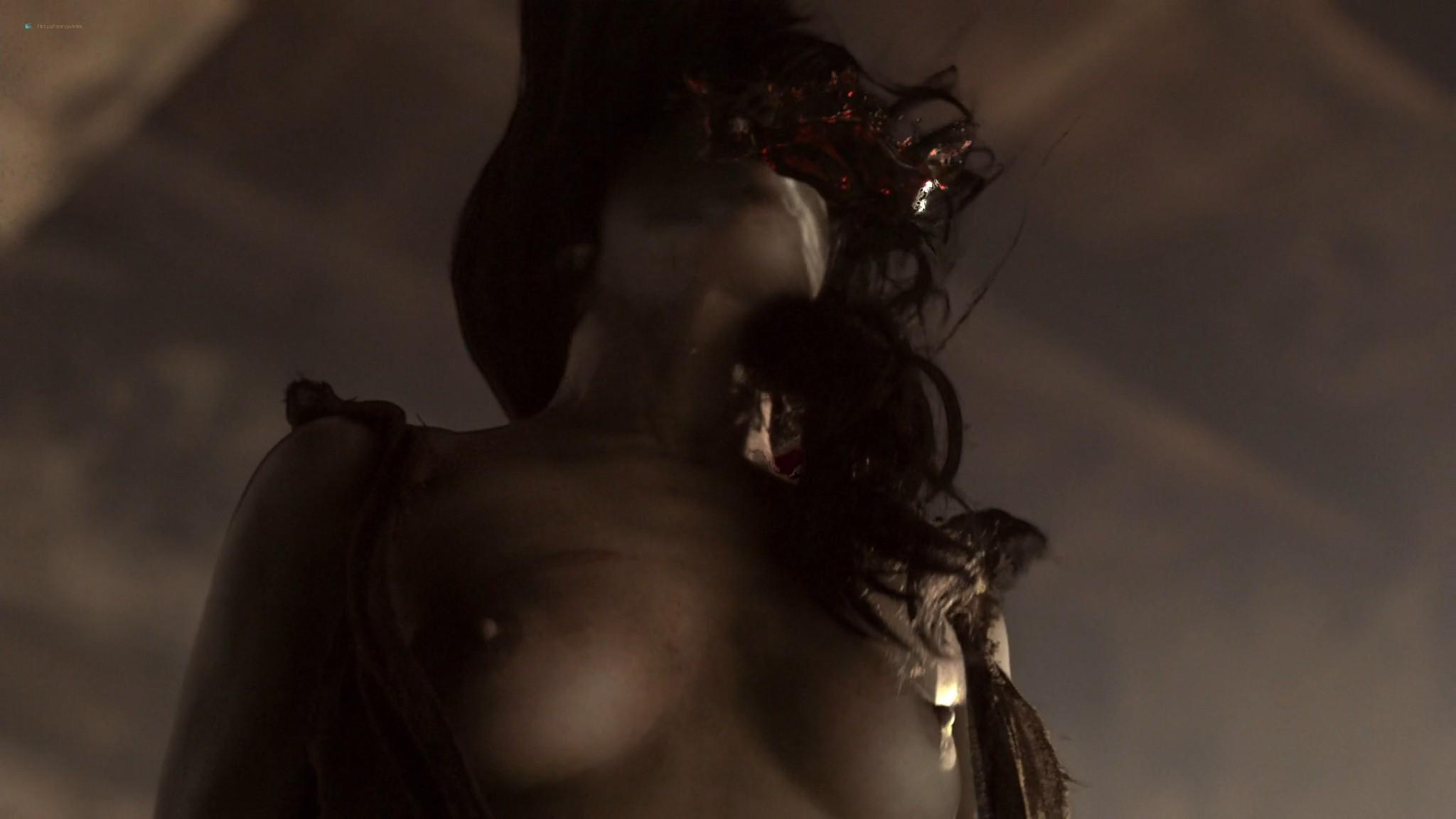 Lucy Lawless nude sex Erin Cummings, Aria Dickson nude too - Spartacus - Sacramentum Gladiatorum (2010) s1e2 HD 1080p (11)