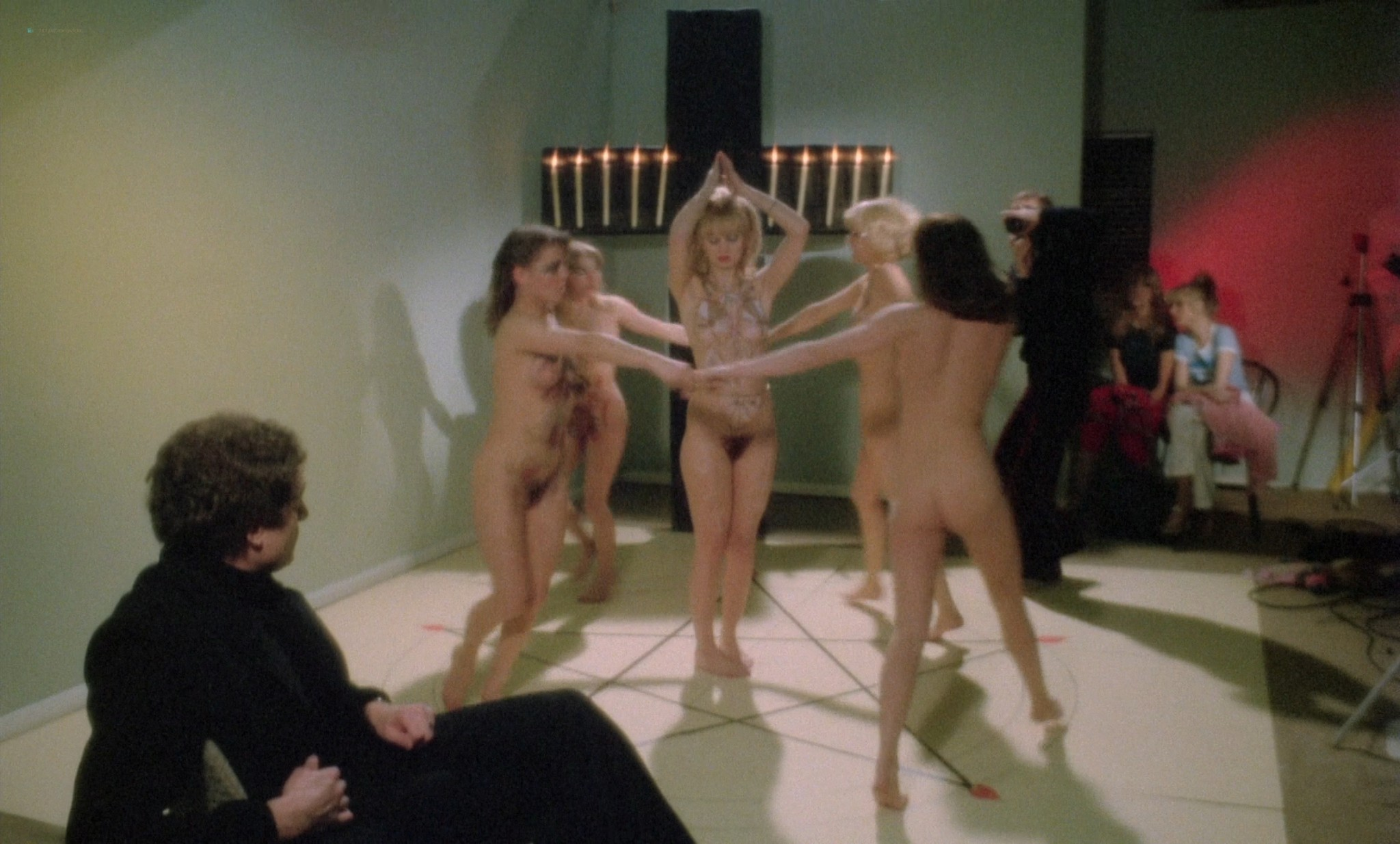 Suzy Mandel nude full frontal Gloria Brittain others nude sex - The Playbirds (UK-1978) HD 1080p BluRay (14)