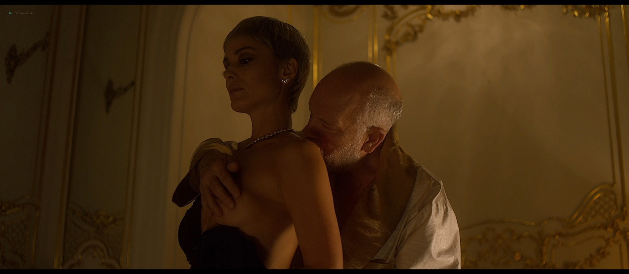 Bérénice Marlohe nude Jaime Ray Newman sexy Owee Rae butt naked - Valley of the Gods (2019) HD 1080p BluRay (13)