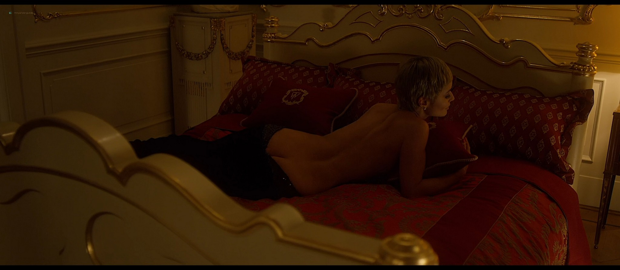 Bérénice Marlohe nude Jaime Ray Newman sexy Owee Rae butt naked - Valley of the Gods (2019) HD 1080p BluRay (10)