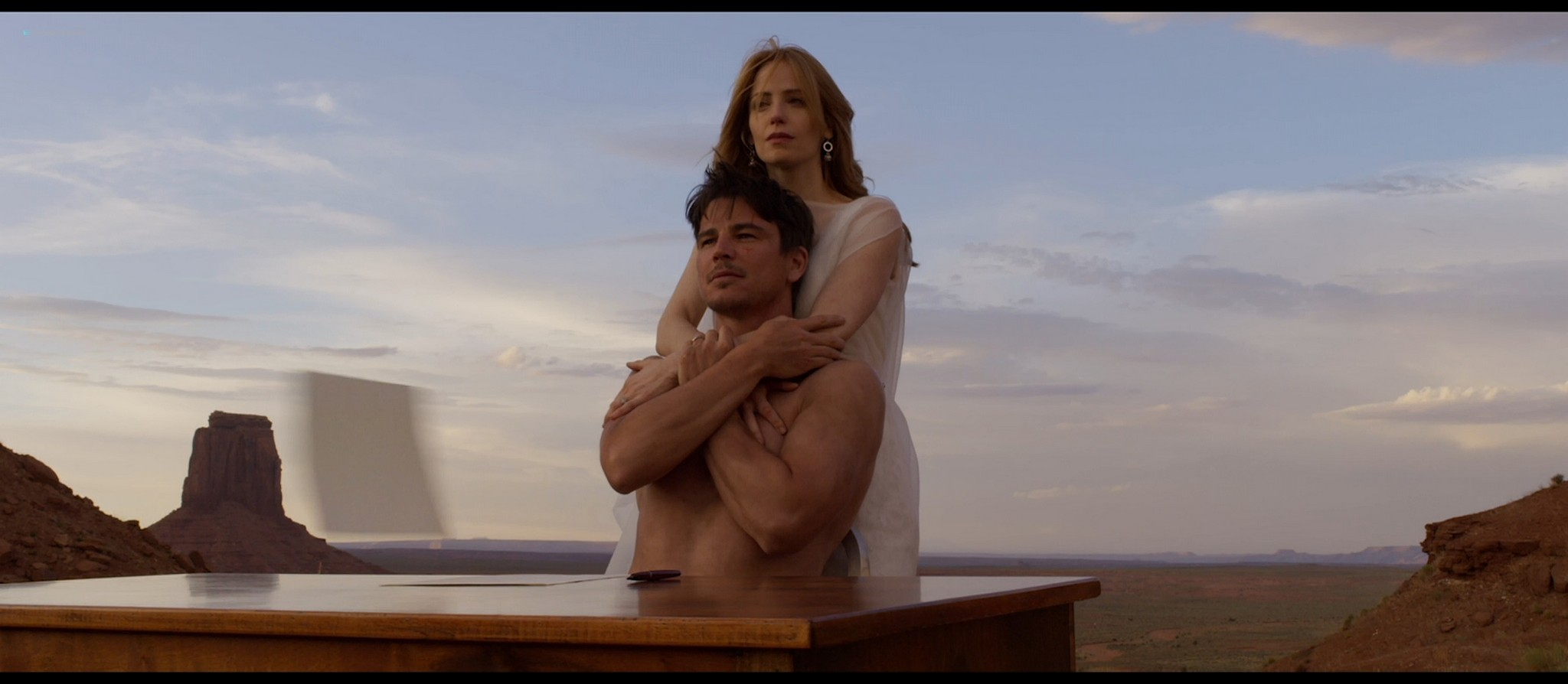 Bérénice Marlohe nude Jaime Ray Newman sexy Owee Rae butt naked - Valley of the Gods (2019) HD 1080p BluRay (2)