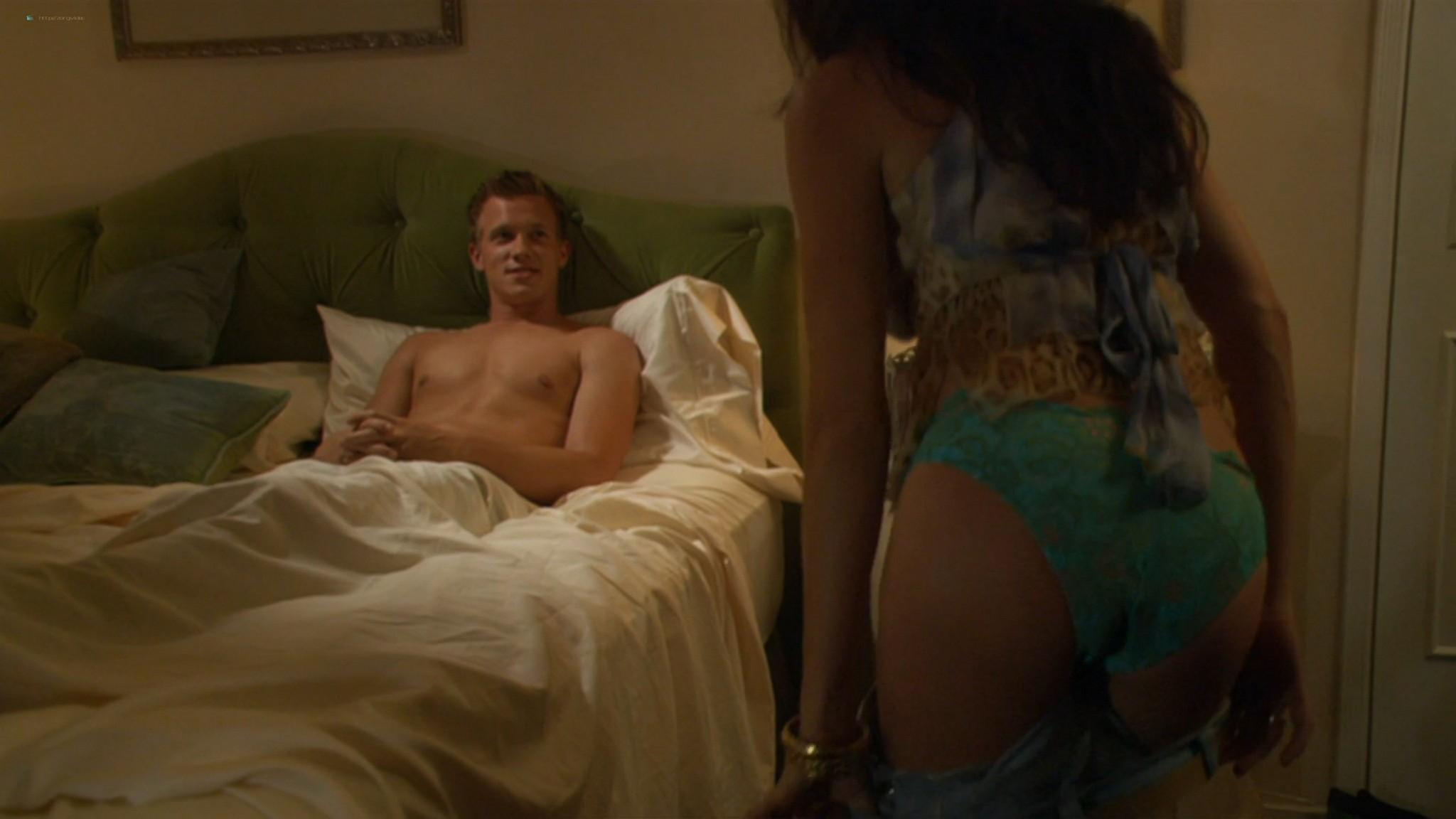 Kaley Cuoco hot Izabella Scorupco sexy others nude - Cougar Club (2007) HD 1080p BluRay (12)
