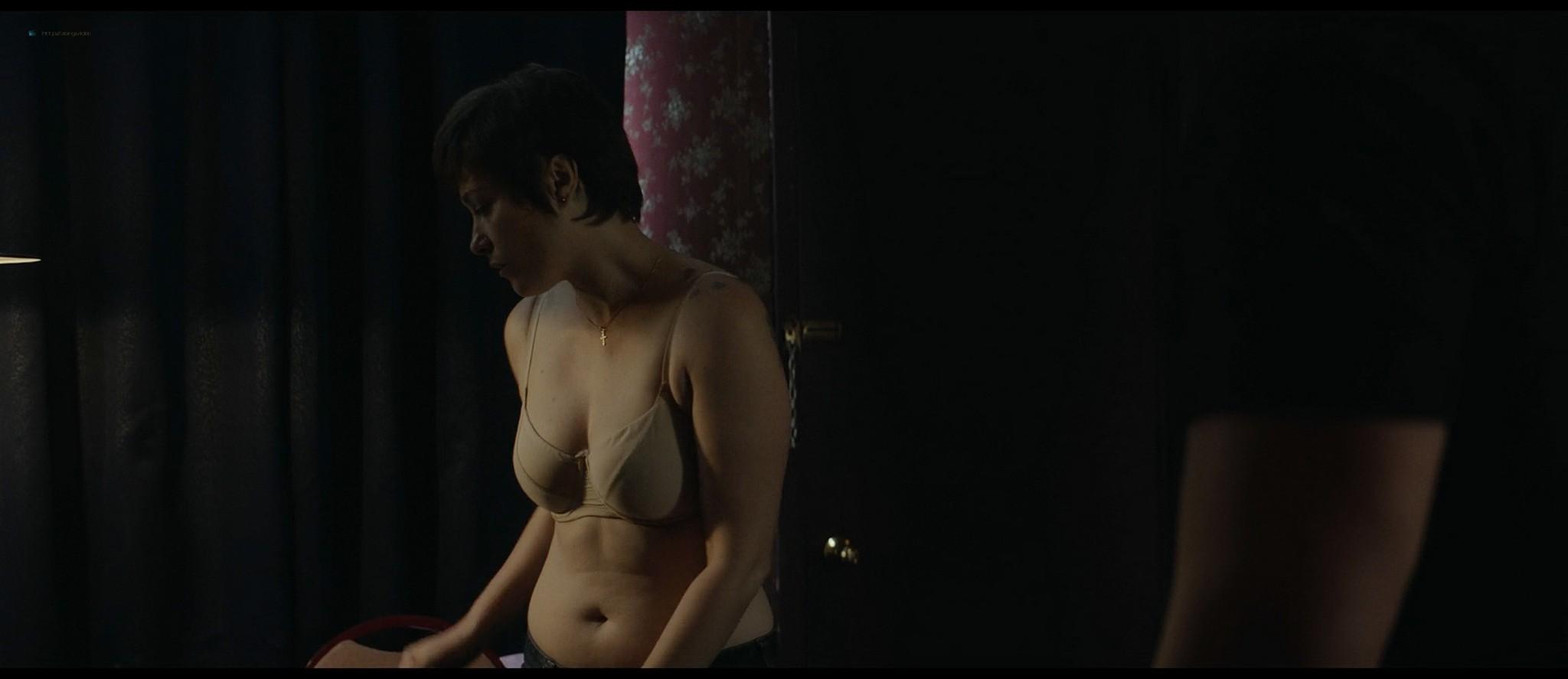 Mãlina Manovici nude bush and topless - Lemonade (RO-2018) HD 1080p Web (9)