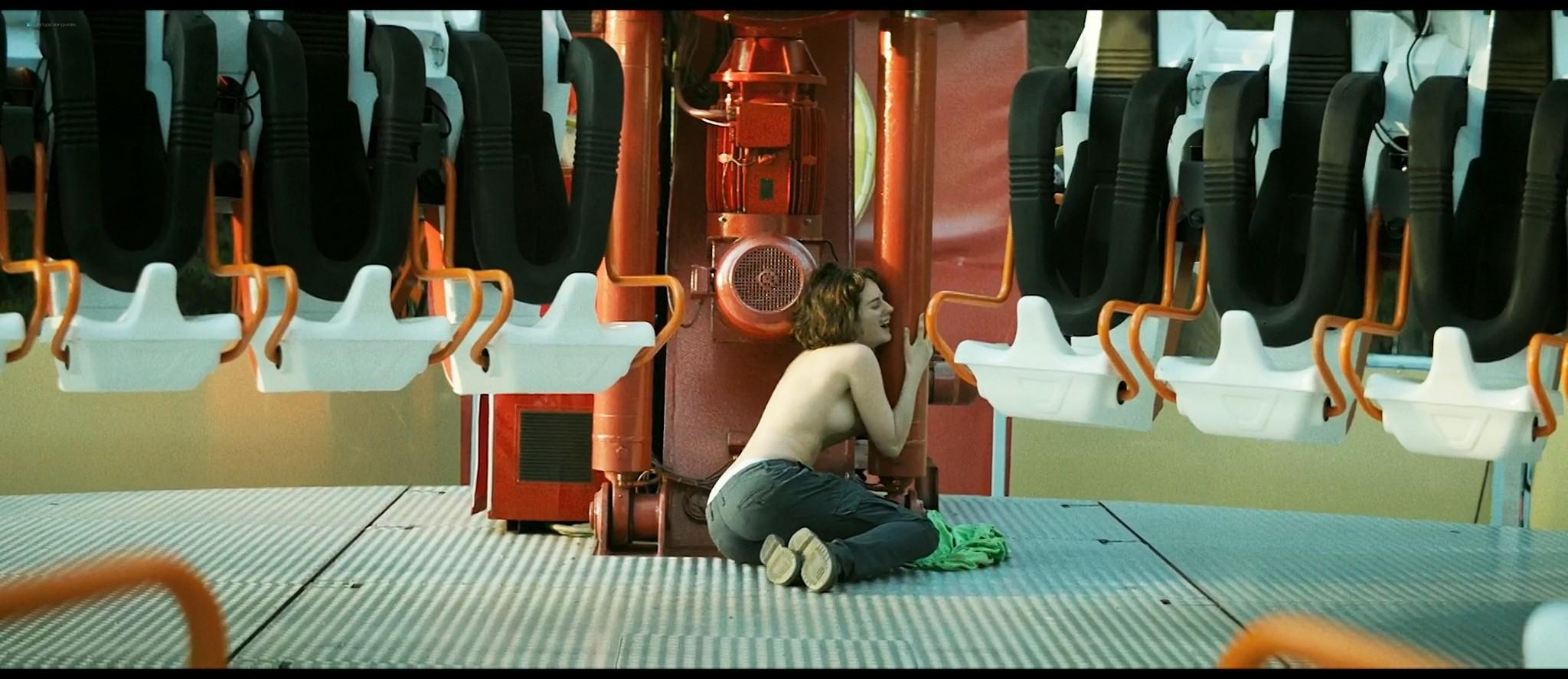 Noémie Merlant nude bush, topless and sex - Jumbo (FR-2020) HD 1080p Web (4)