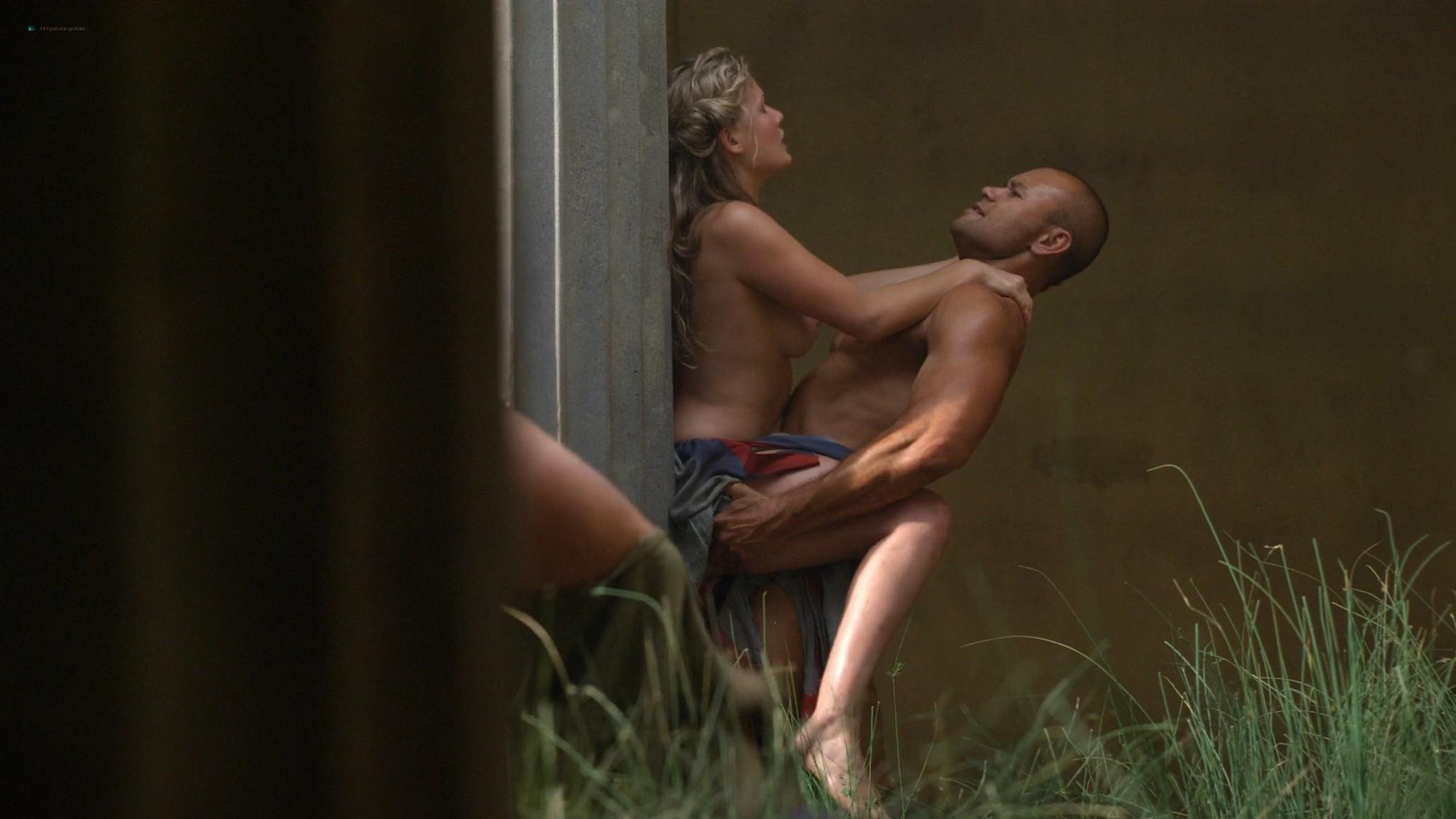 Viva Bianca nude topless Katrina Law, Bonnie Sveen, etc -Spartacus - Vengeance (2012) e3 1080p (8)