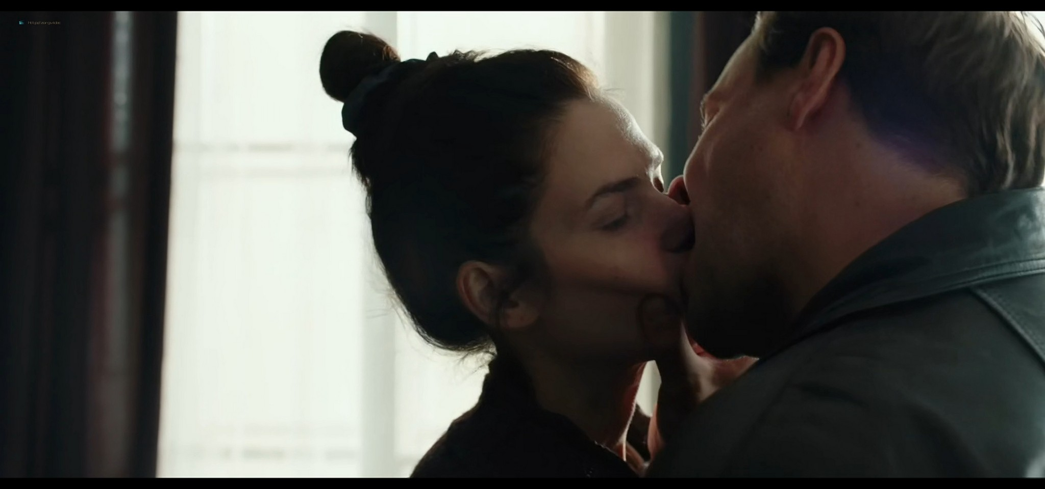 Yulia Snigir hot and some sex Anna Chipovskaya, Yuliya Peresild sexy - The End of the Season (2019) HD 1080p Web (9)