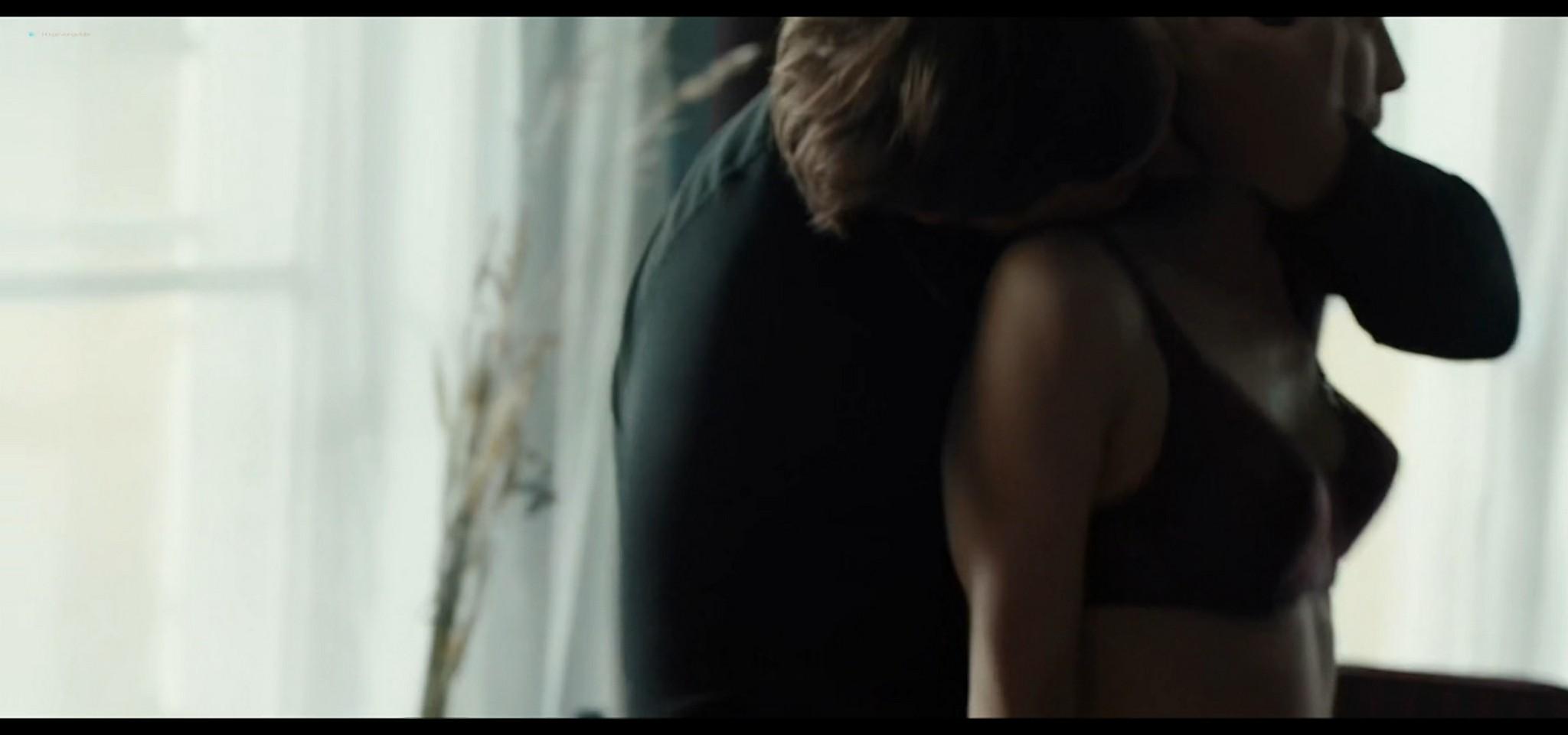 Yulia Snigir hot and some sex Anna Chipovskaya, Yuliya Peresild sexy - The End of the Season (2019) HD 1080p Web (8)