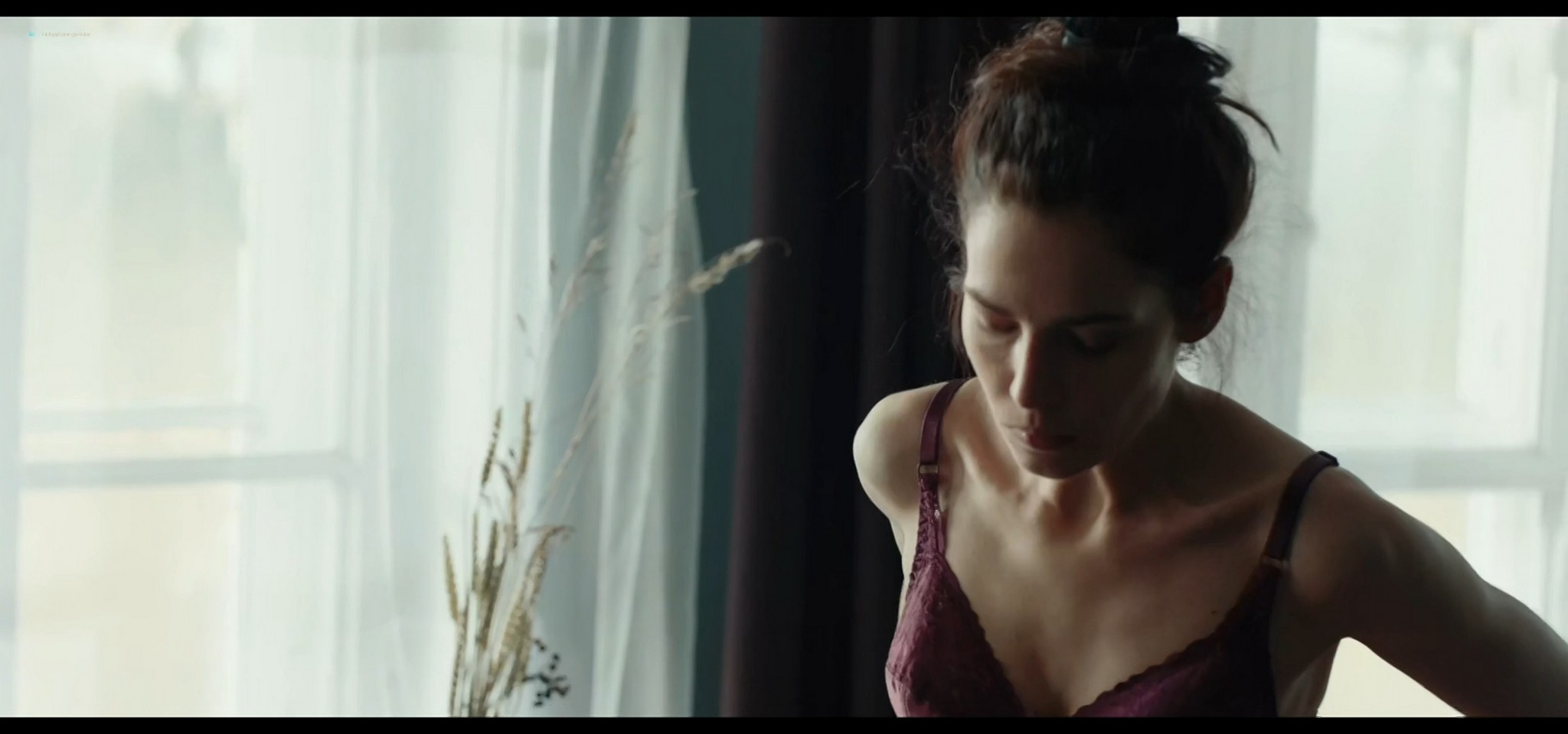 Yulia Snigir hot and some sex Anna Chipovskaya, Yuliya Peresild sexy - The End of the Season (2019) HD 1080p Web (7)