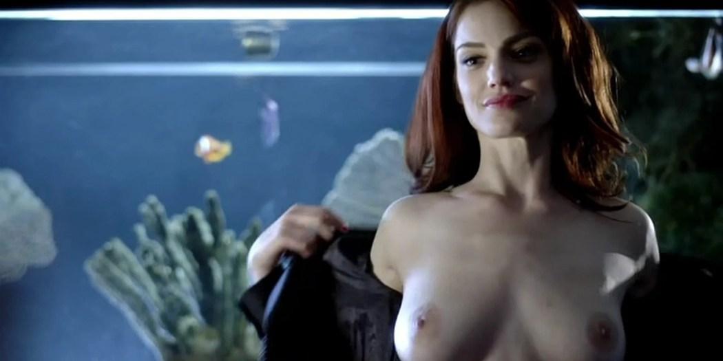 Diana Gettinger nude sex Moniqua Plante nude lesbian - Femme Fatales (2012) s2e2 - Gun Twisted (6)