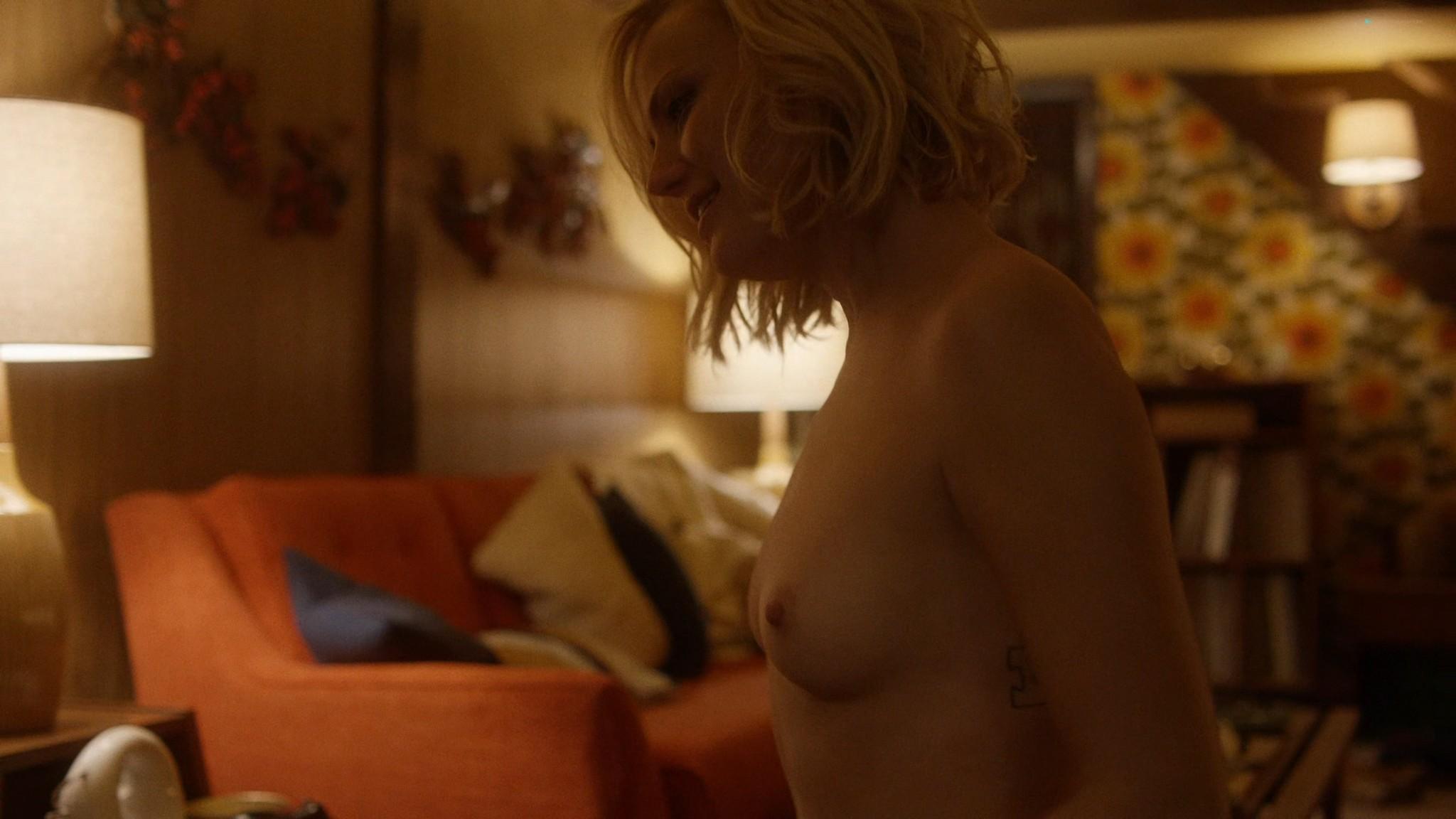 Malin Akerman nude sex threesome with Kate Micucci Easy 2016 s1e6 UHD 2160 1080p 008