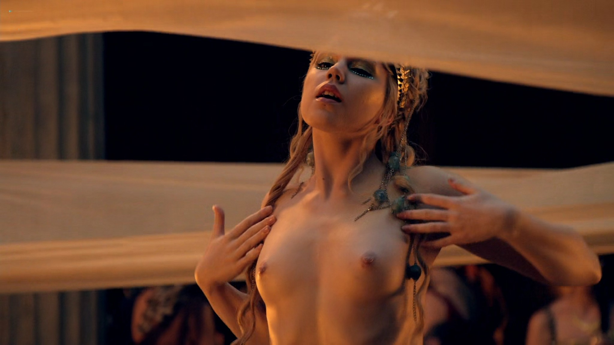 Viva Bianca nude Lucy Lawless nude sex others nude - Spartacus - Vengeance (2012) e4 1080p BluRay (15)
