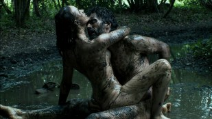 Sara Forestier nude topless bush and hot rough sex - Mes seances de lutte (FR-2013) hd 1080p