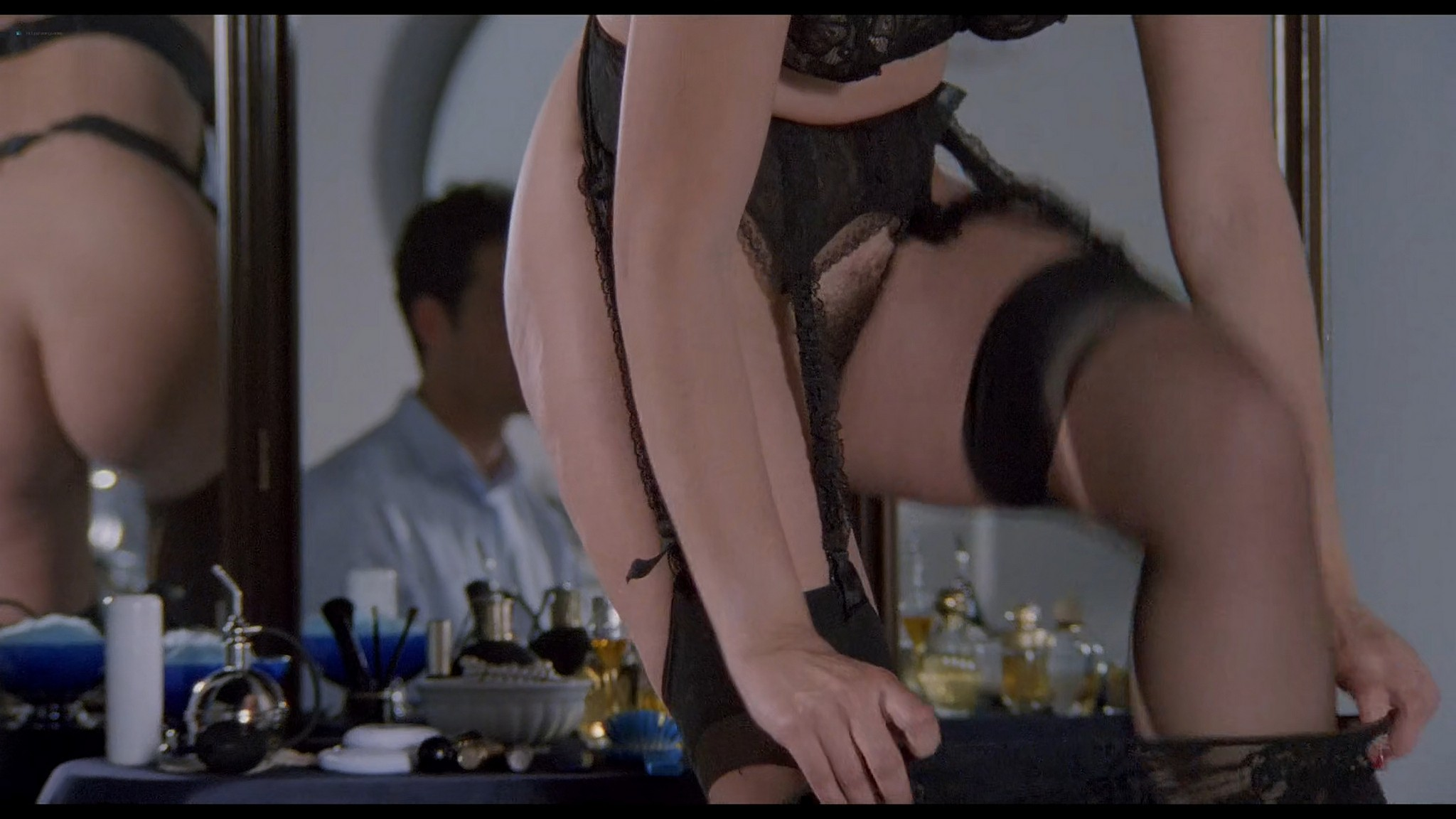 Cinzia Roccaforte nude explicit Erika Savastani and other nude sex explicit Fermo posta Tinto Brass 1995 HD 1080p BluRay 016
