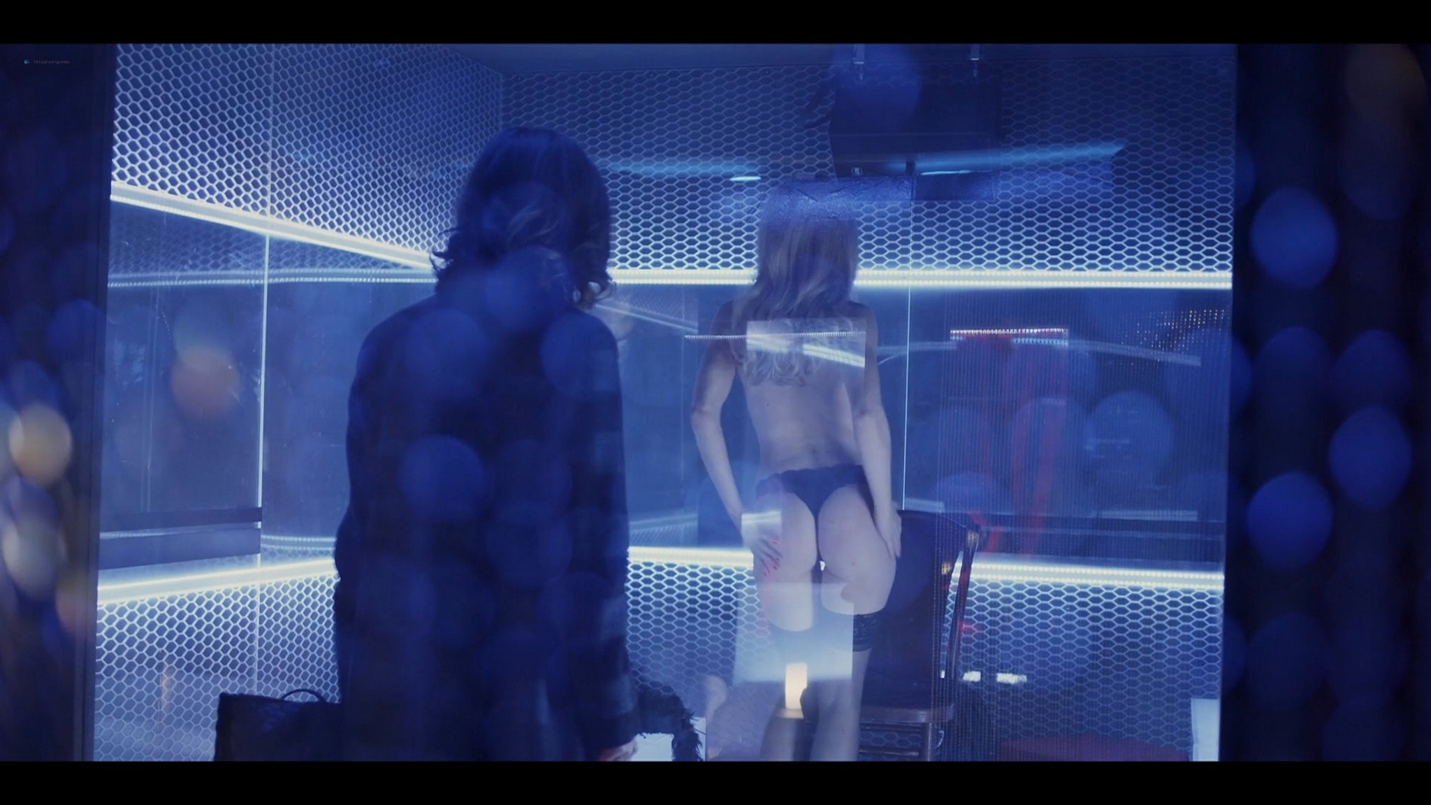 Elena Radonicich nude Yuliya Mayarchuk busty La Porta Rossa 2017 S1 HD 1080p 016