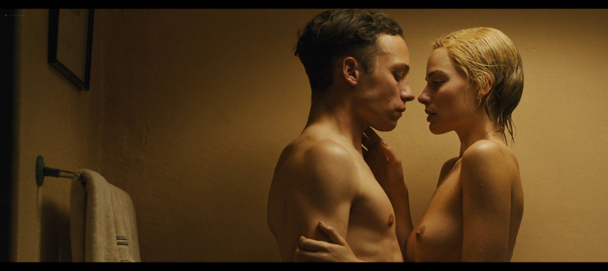 Margot Robbie nude topless Dreamland 2020 HD 1080p Web010