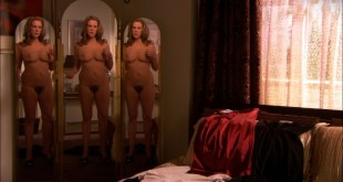 Elizabeth Perkins nude full frontal Weeds 2007 s3e8 HD 1080p BluRay 004