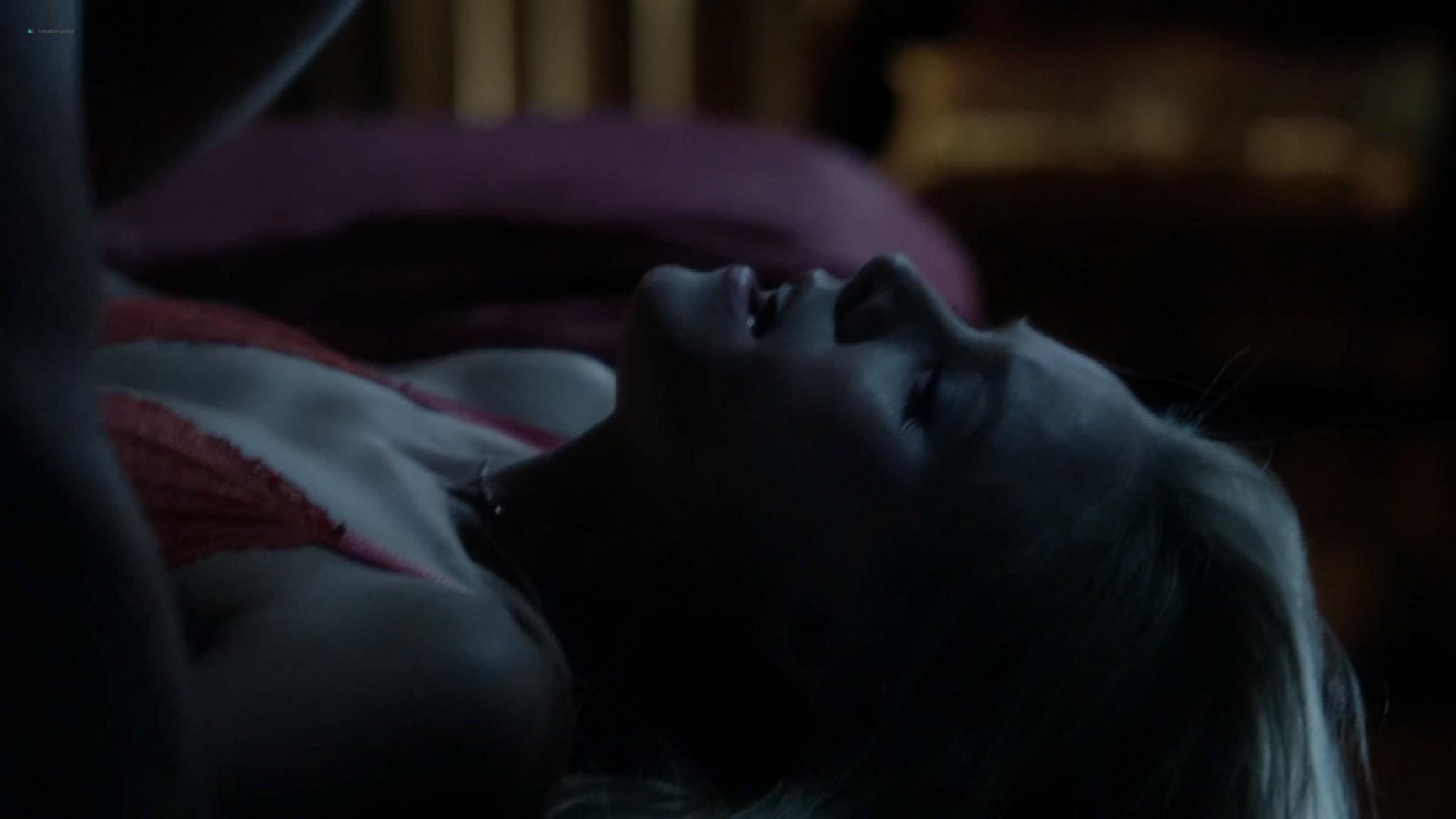 Anna Wood nude sex Kristen Bell hot House of Lies 2012 s1e8 12 1080p Web 8