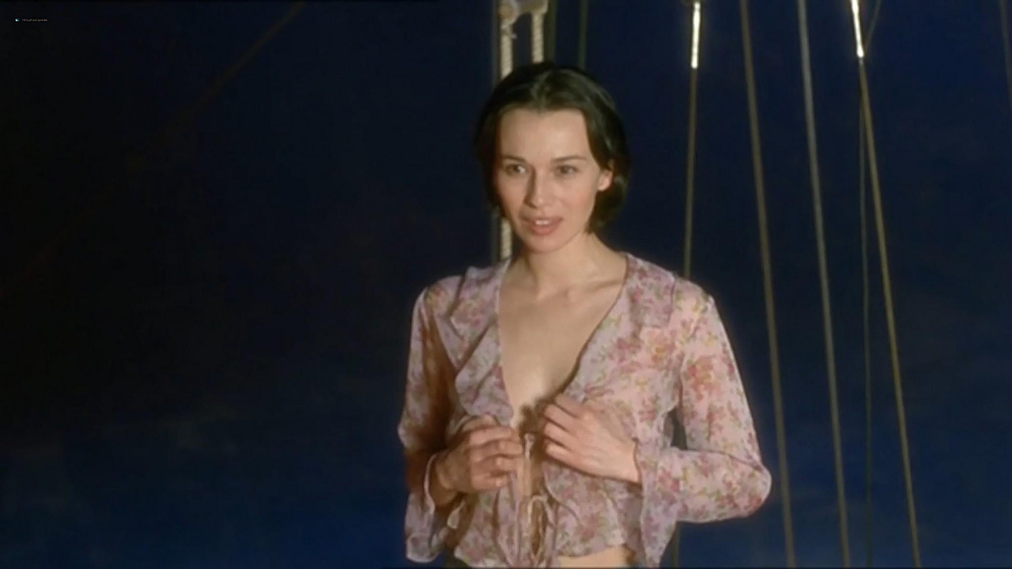 Ariadna Gil nude sex Sandra Ballesteros and other nude and sex El lado oscuro del corazon 2 AR 2001 720p 13