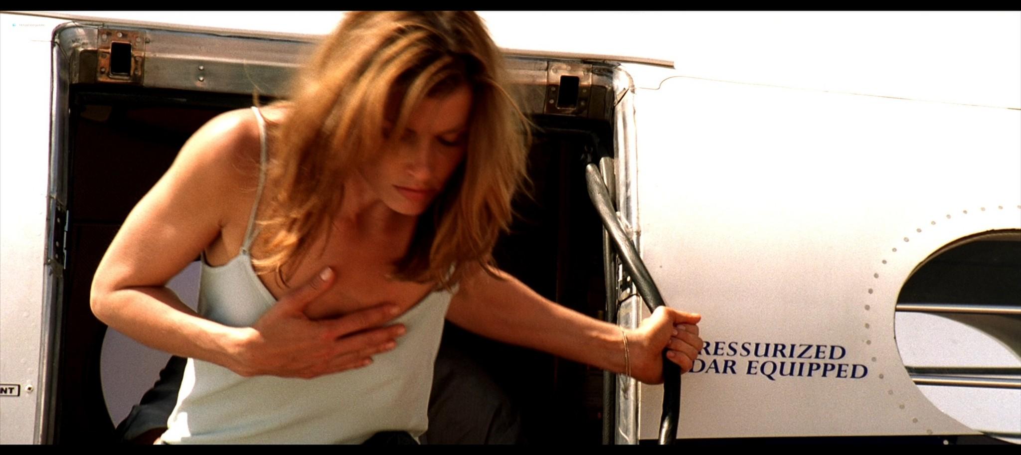 Bridget Moynahan hot and sexy Prey 2007 1080p BluRay REMUX