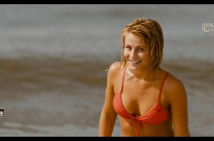 Julianne Hough hot and sexy Safe Haven 2013 1080p BluRay 9