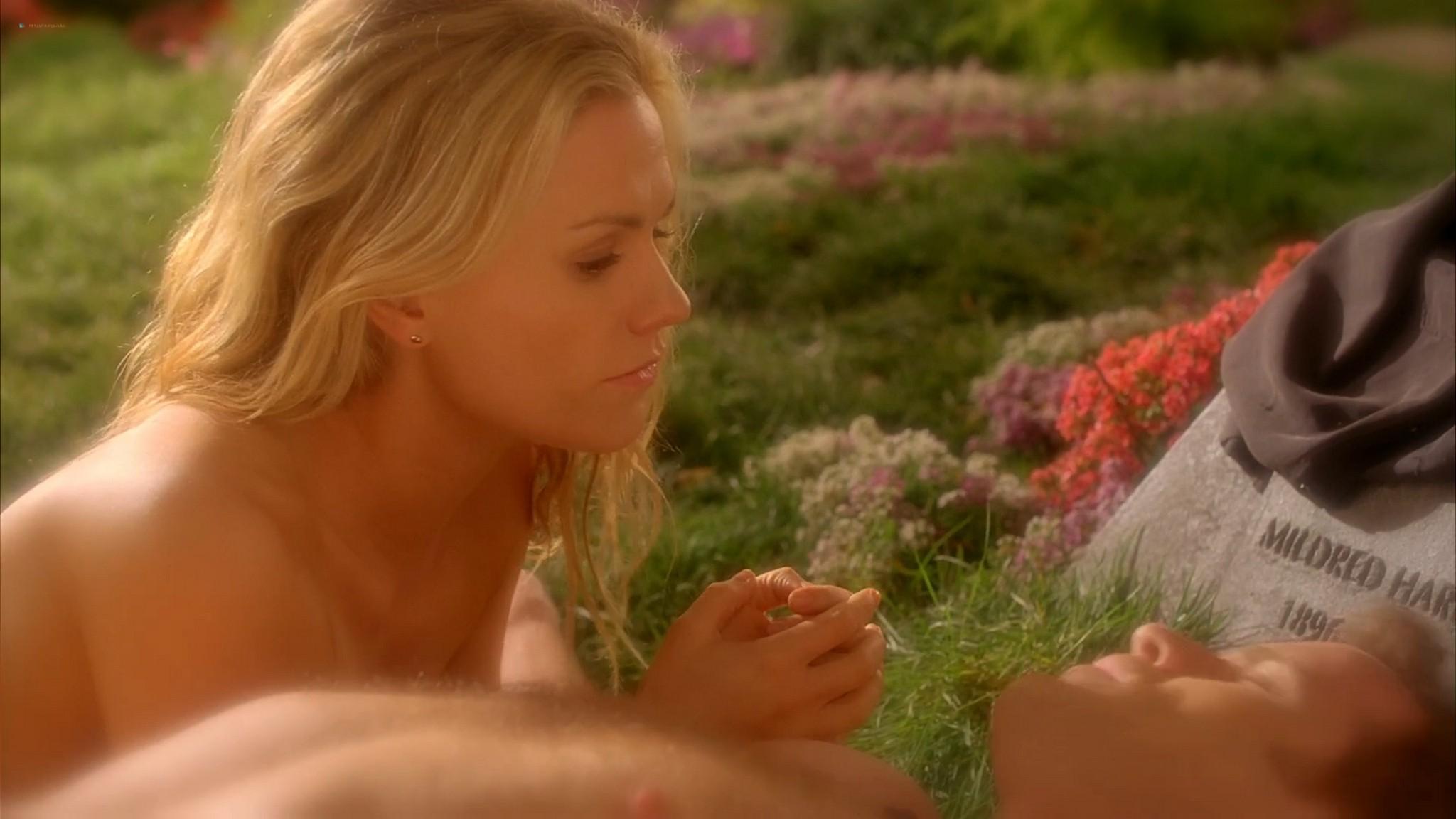 Anna Paquin nude topless and Deborah Ann Woll hot sex – True Blood 2013 s6e7 HD 1080p 3