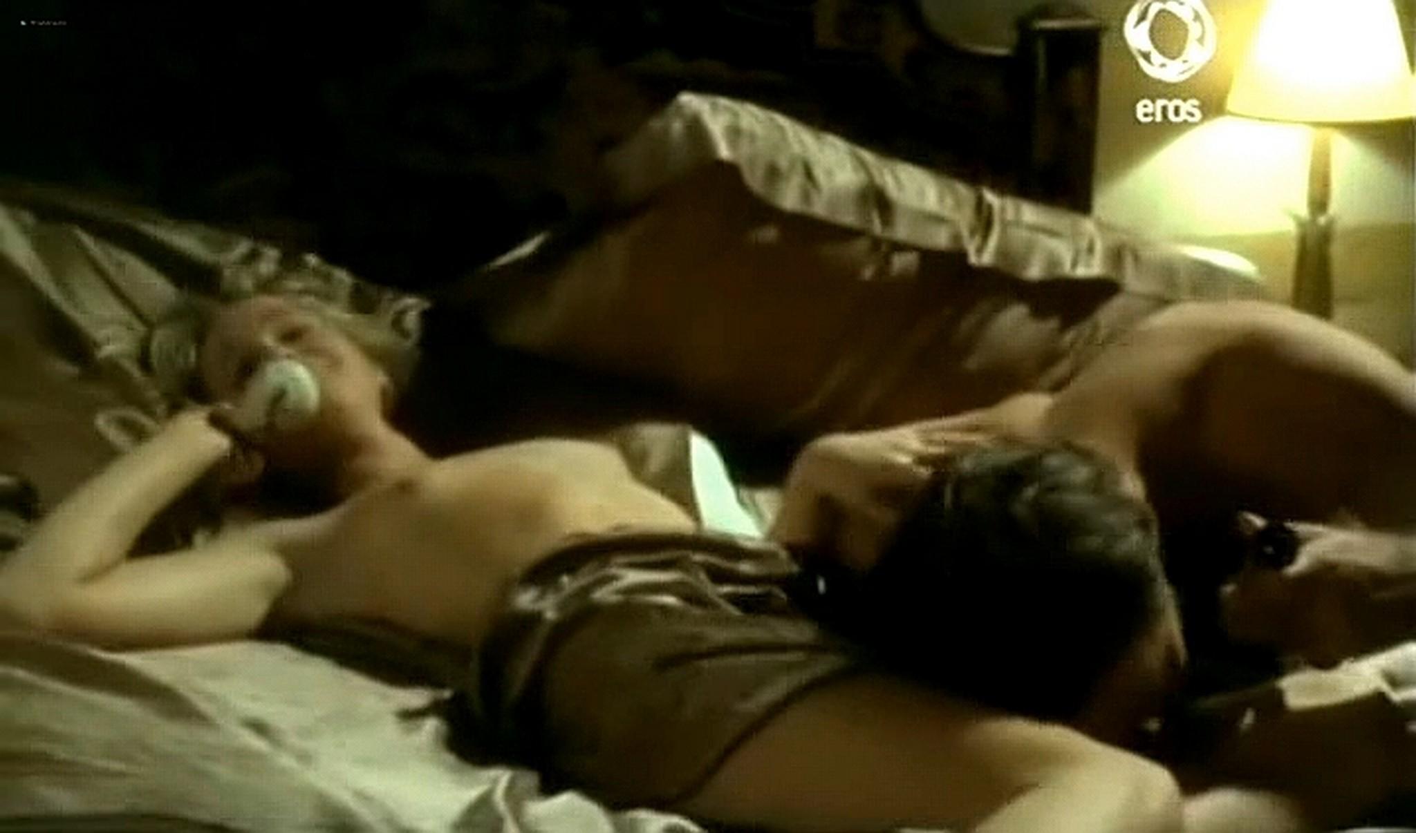 Josie Bissett nude and lot of hot sex Desire IT 1990 TVrip 15