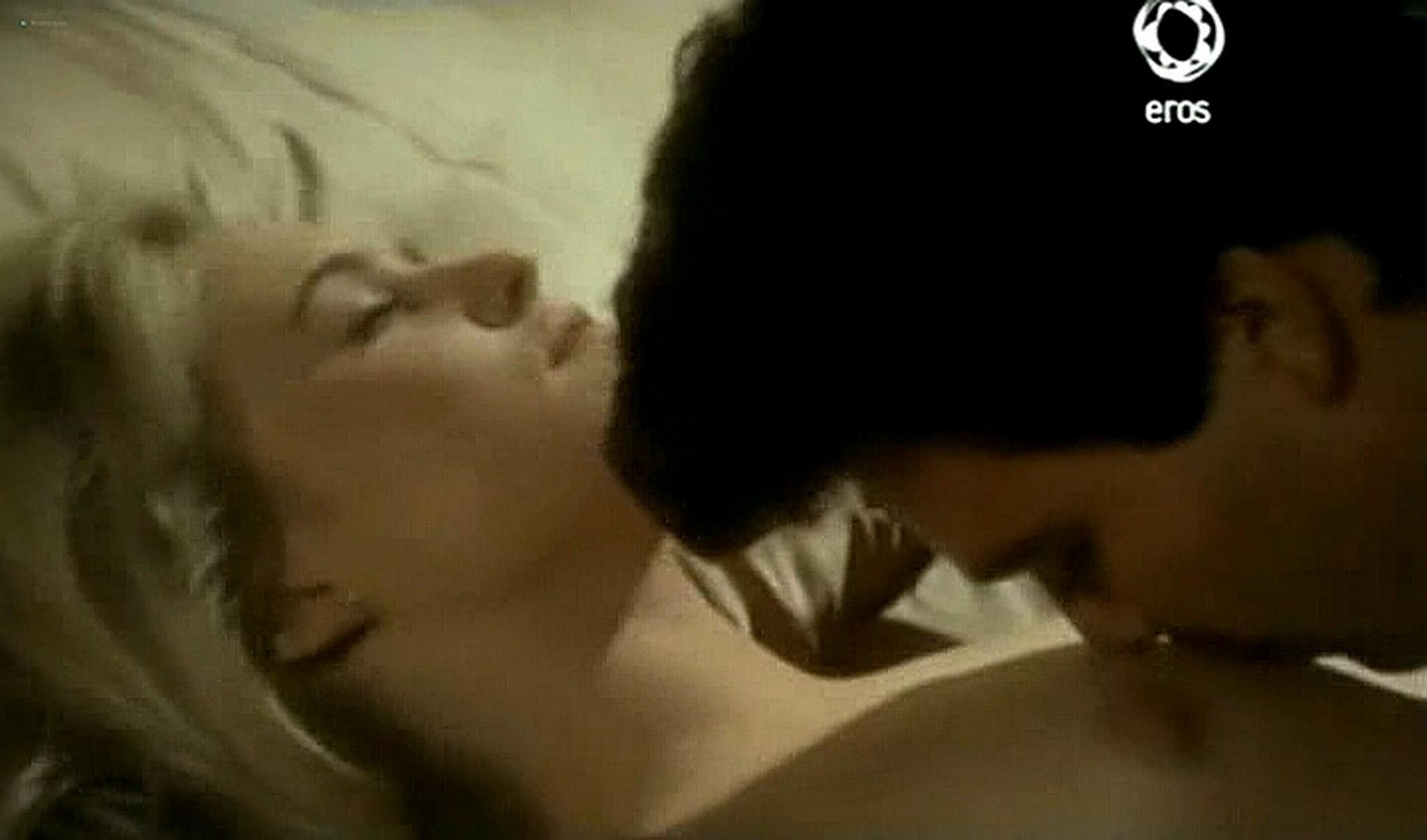 Josie Bissett nude and lot of hot sex Desire IT 1990 TVrip 17