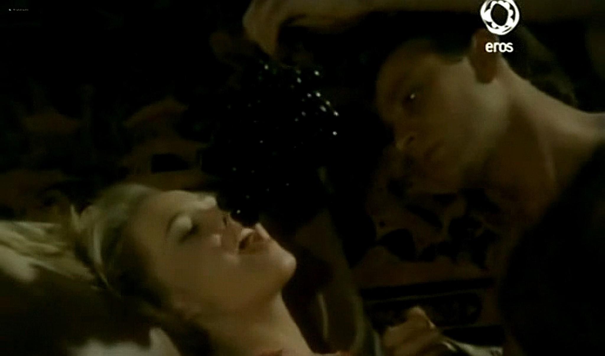 Josie Bissett nude and lot of hot sex Desire IT 1990 TVrip 2