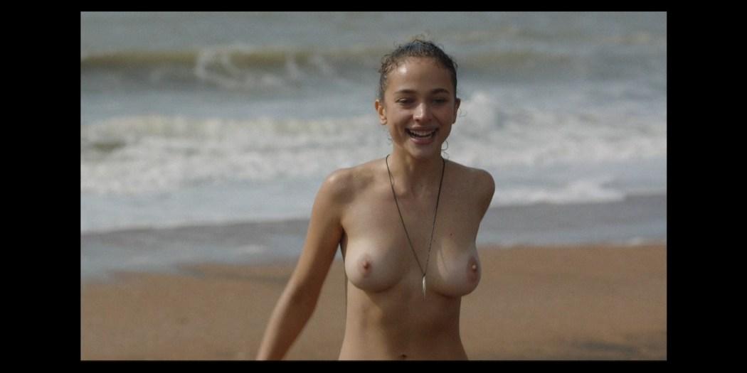 Naked laura Laura Prepon