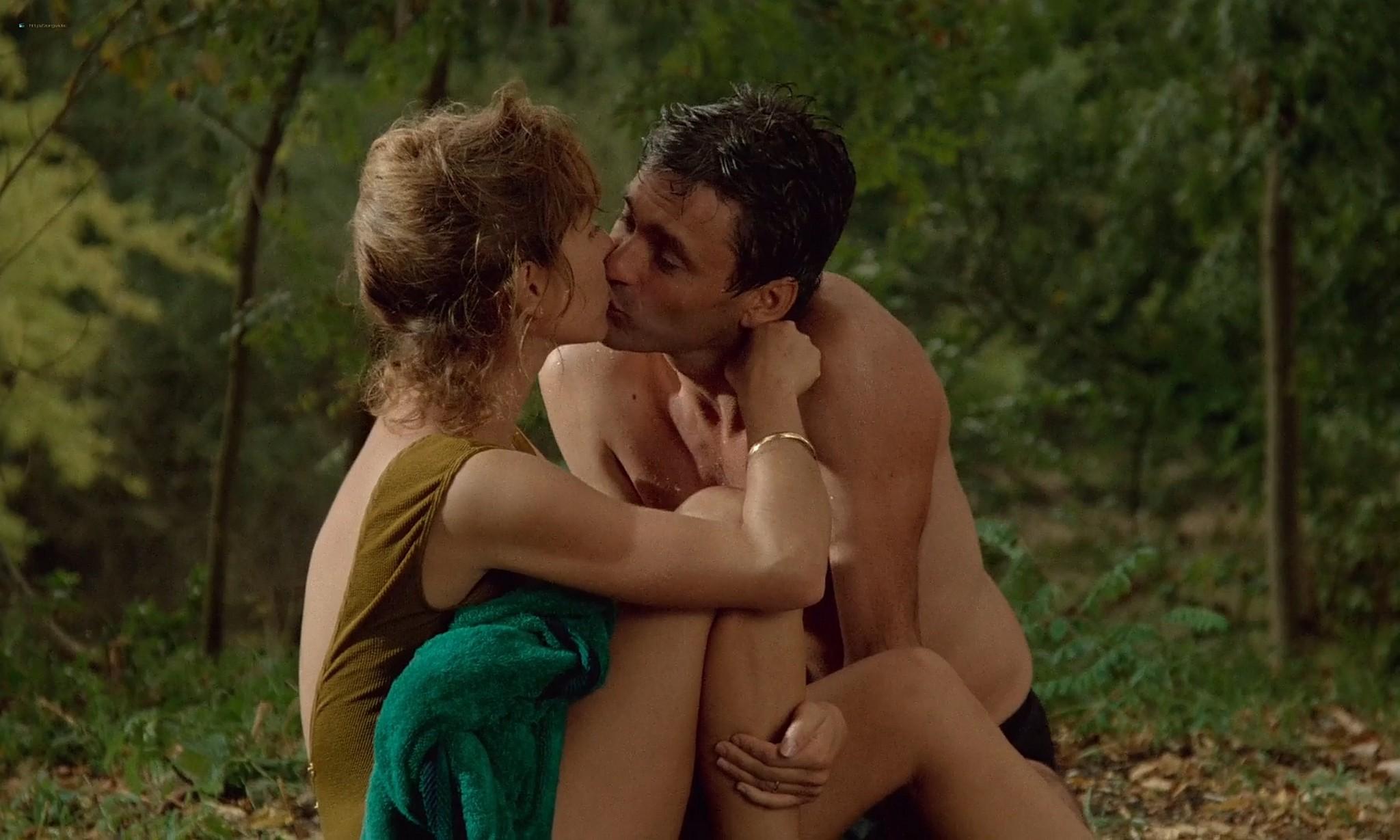 Nathalie Baye nude in the shower En toute innocence FR 1988 1080p BluRay 8