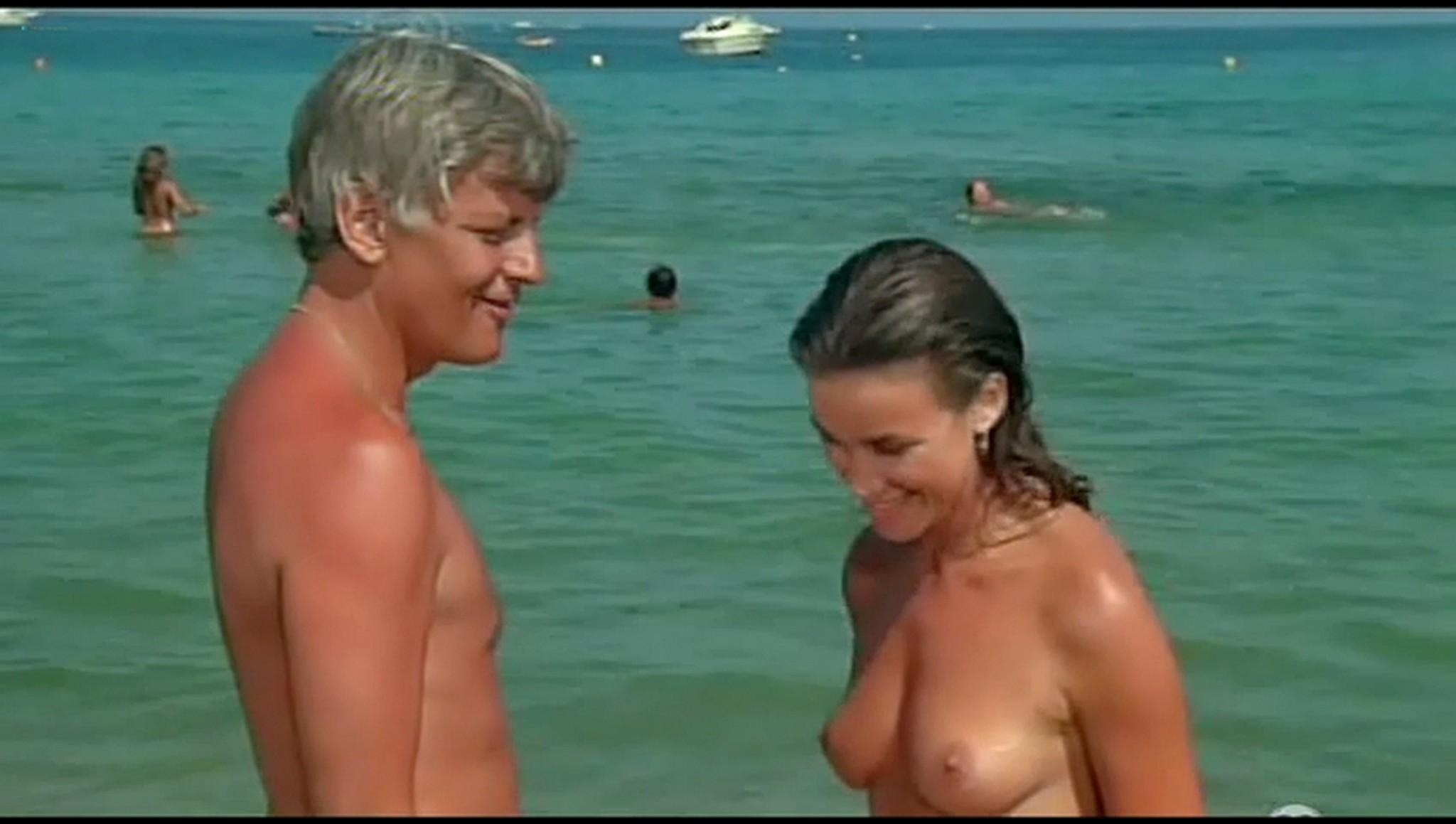 Valerie Kaprisky nude full frontal Caroline Cellier and others nude L annee des meduses 1984 11