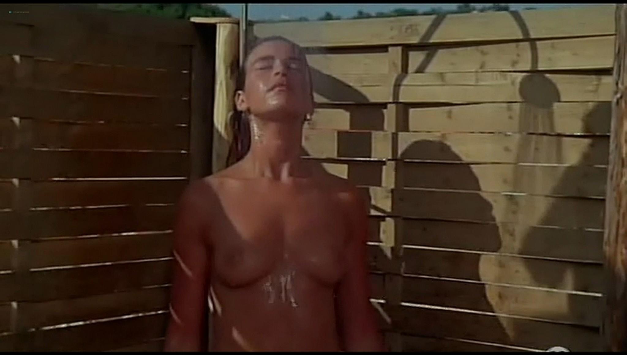 Valerie Kaprisky nude full frontal Caroline Cellier and others nude L annee des meduses 1984 13