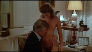 Valérie Kaprisky nude full frontal Caroline Cellier and others nude - L' année des méduses (1984)