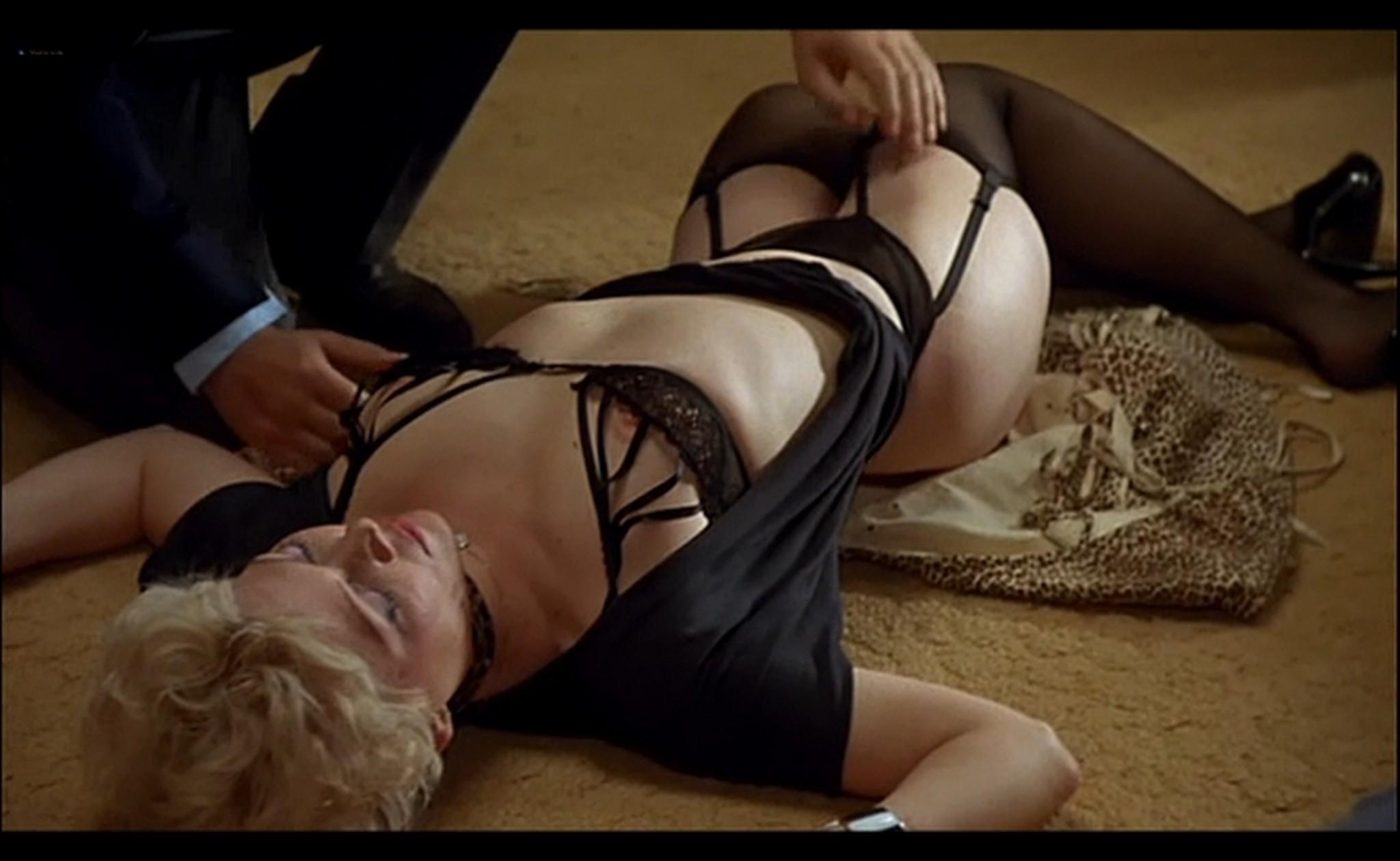 Ornella Muti nude Susan Tyrrell nude full frontal Storie Di Ordinaria Follia 1981