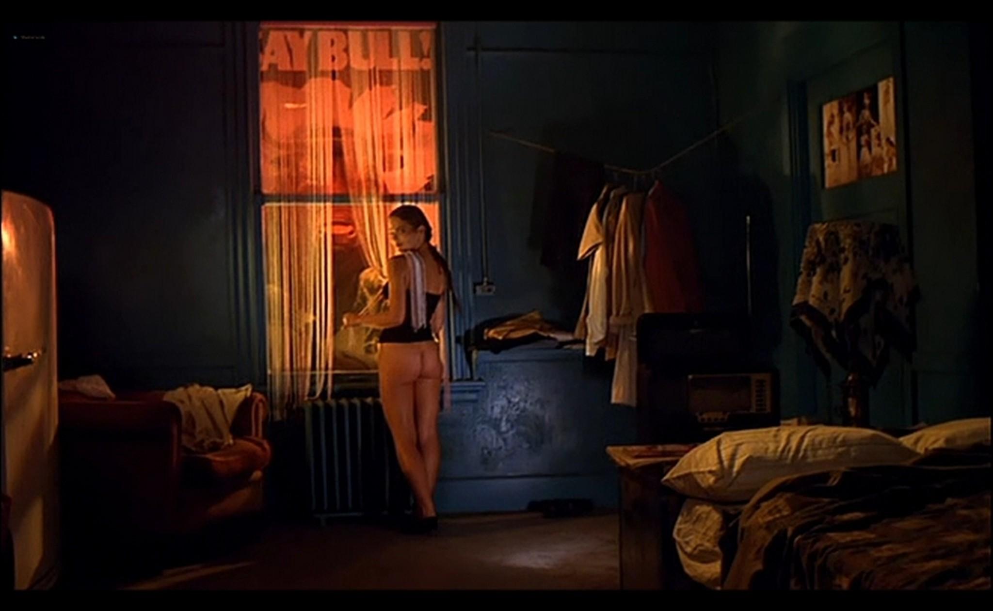 Ornella Muti nude Susan Tyrrell nude full frontal Storie Di Ordinaria Follia 1981 11