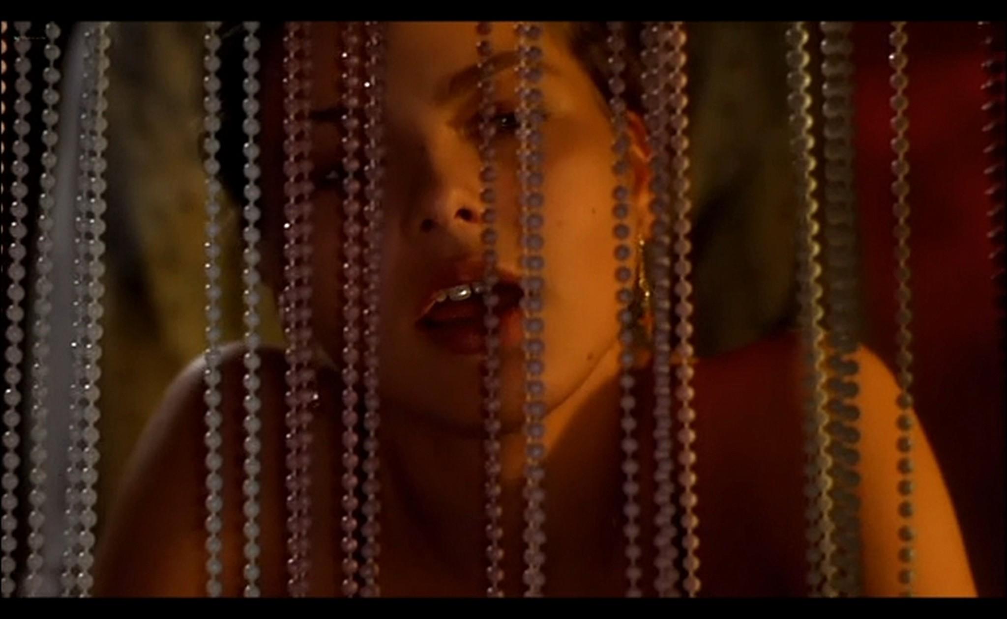Ornella Muti nude Susan Tyrrell nude full frontal Storie Di Ordinaria Follia 1981 13