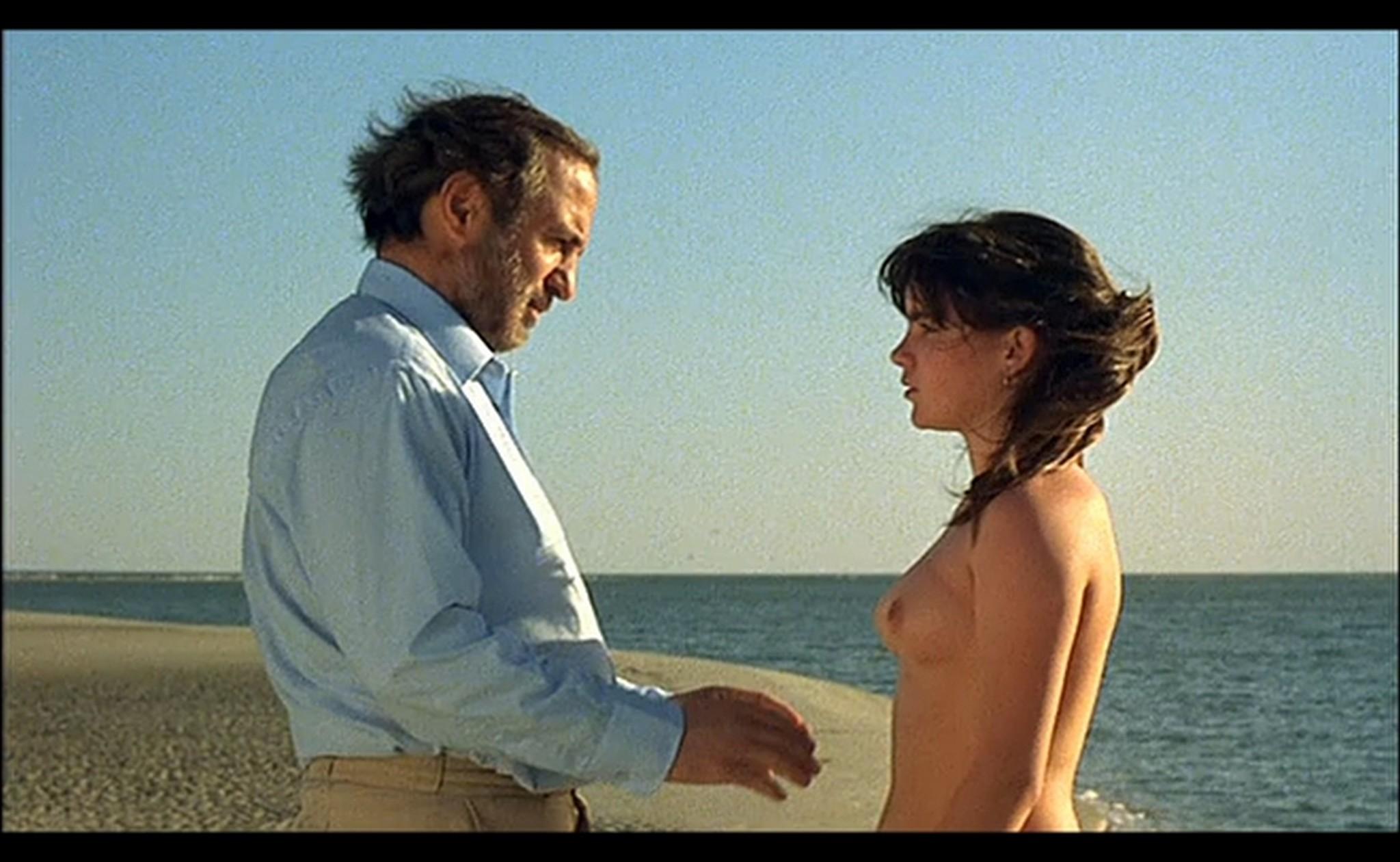 Ornella Muti nude Susan Tyrrell nude full frontal Storie Di Ordinaria Follia 1981 20