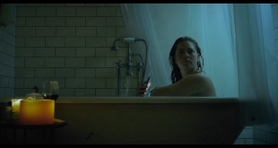 Amy Adams sexy The W0man in the Wind0w 2021 1080p Web 8
