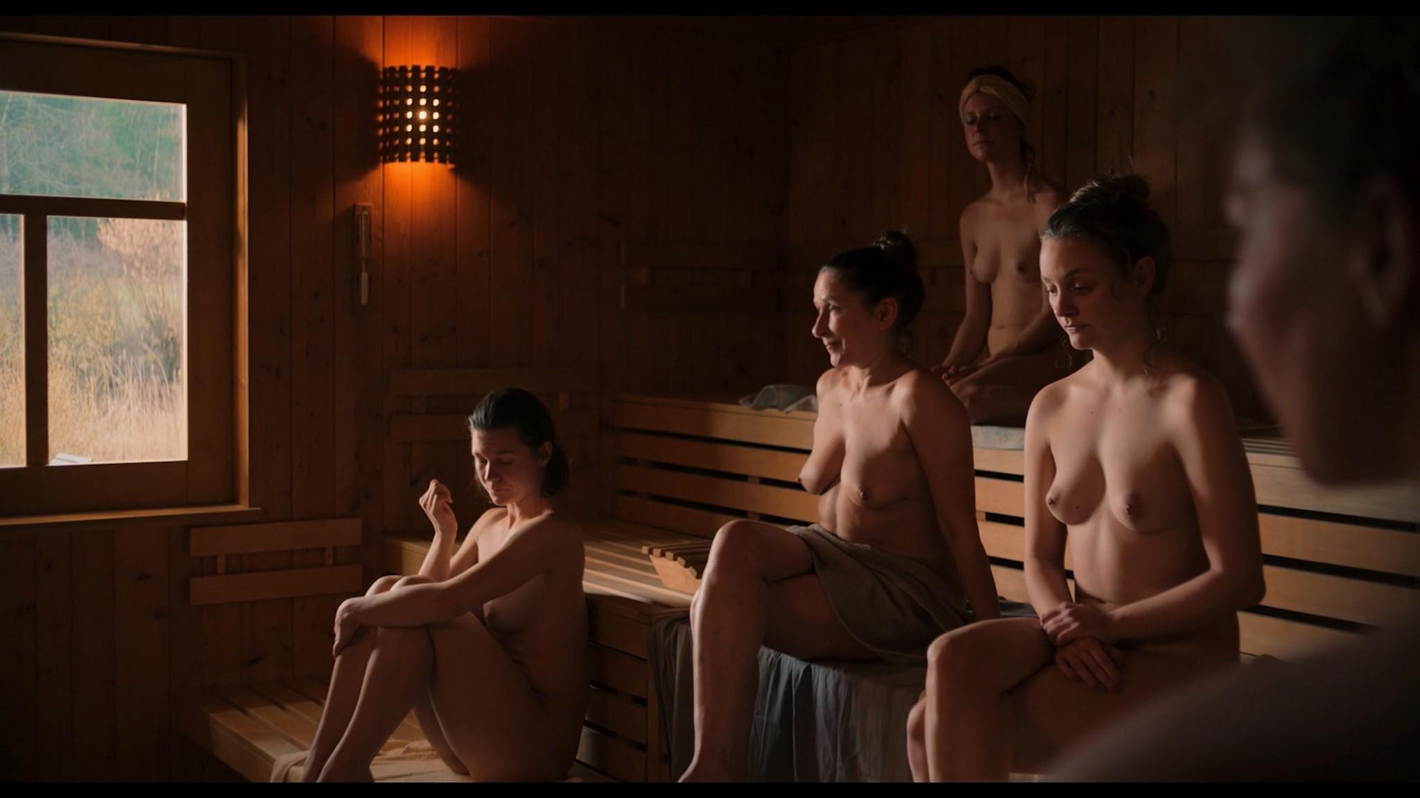 Antonia Bill nude full frontal Amanda da Gloria Helene Blechinger and others nude too Hitzig Ein Saunagang DE 2021 1080p
