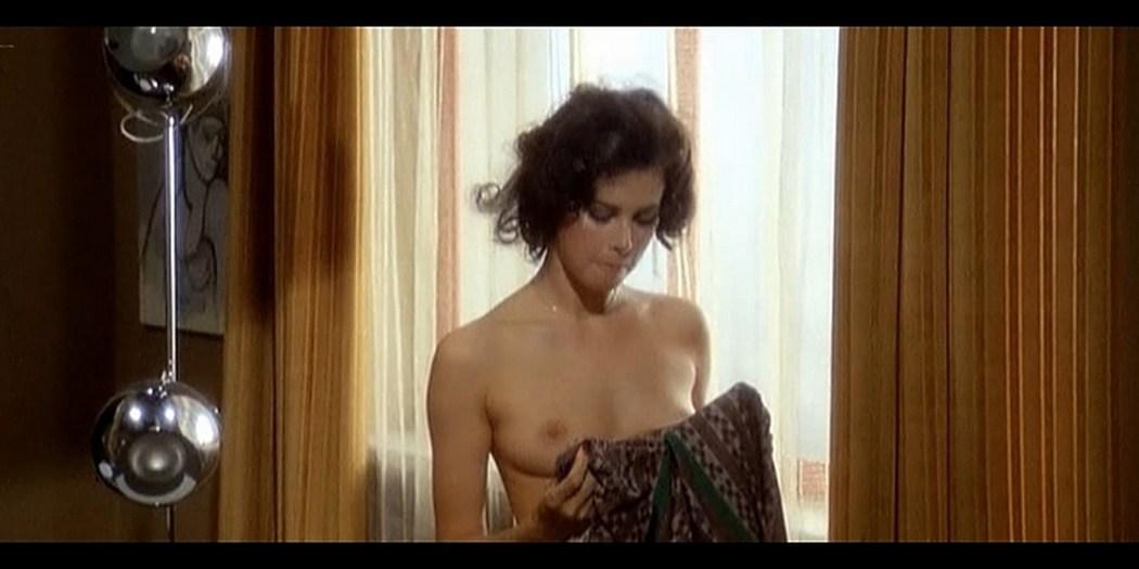 Dayle Haddon nude some sex La citta gioca d azzardo IT 1975 6