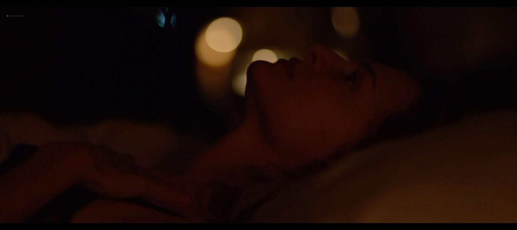 Heather Graham sexy Sophie Nelisse Jodi Balfour hot The Rest of Us 2019 1080p WEB 5