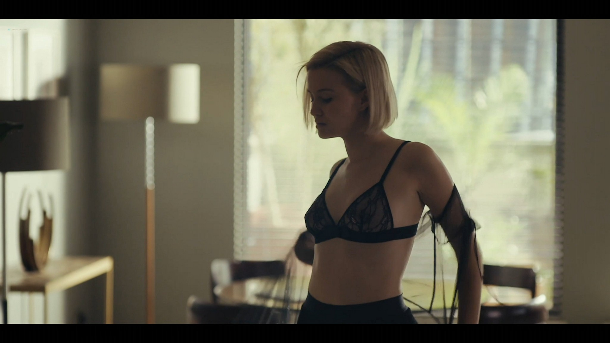 Julia Goldani Telles hot and sexy The Girlfriend Experience 2021 s3e1 2 1080p Web 10