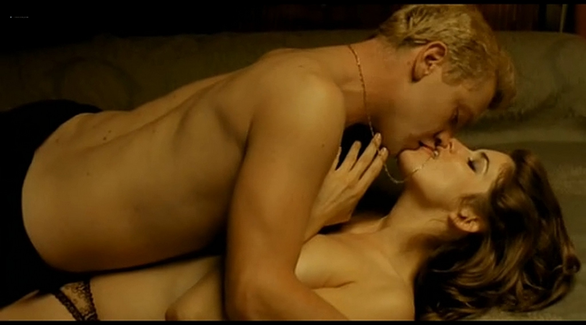 Alice Taglioni nude topless and hot sex Grande ecole FR 2004 DVDRip 18