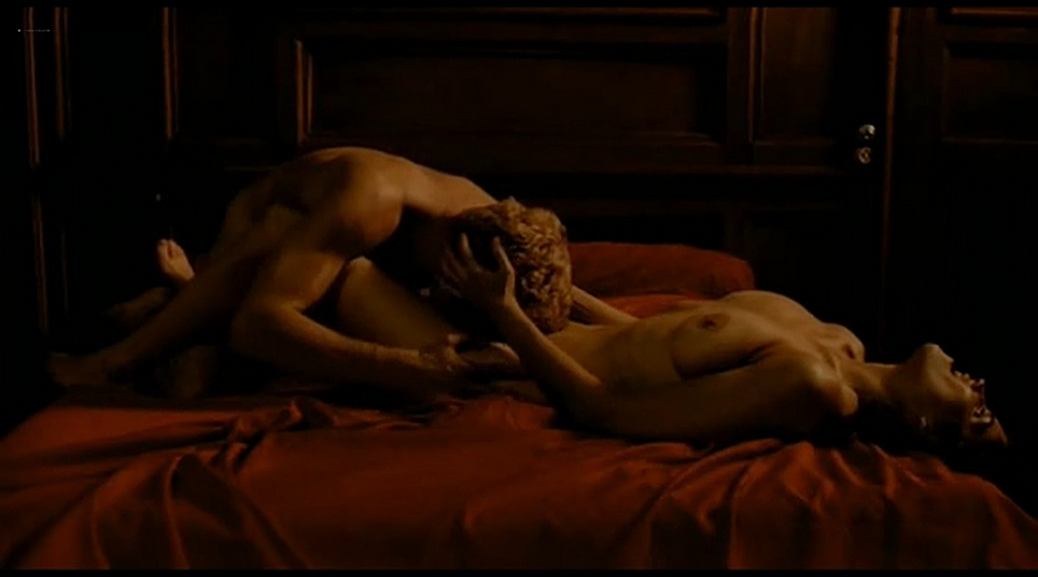 Alice Taglioni nude topless and hot sex Grande ecole FR 2004 DVDRip 3