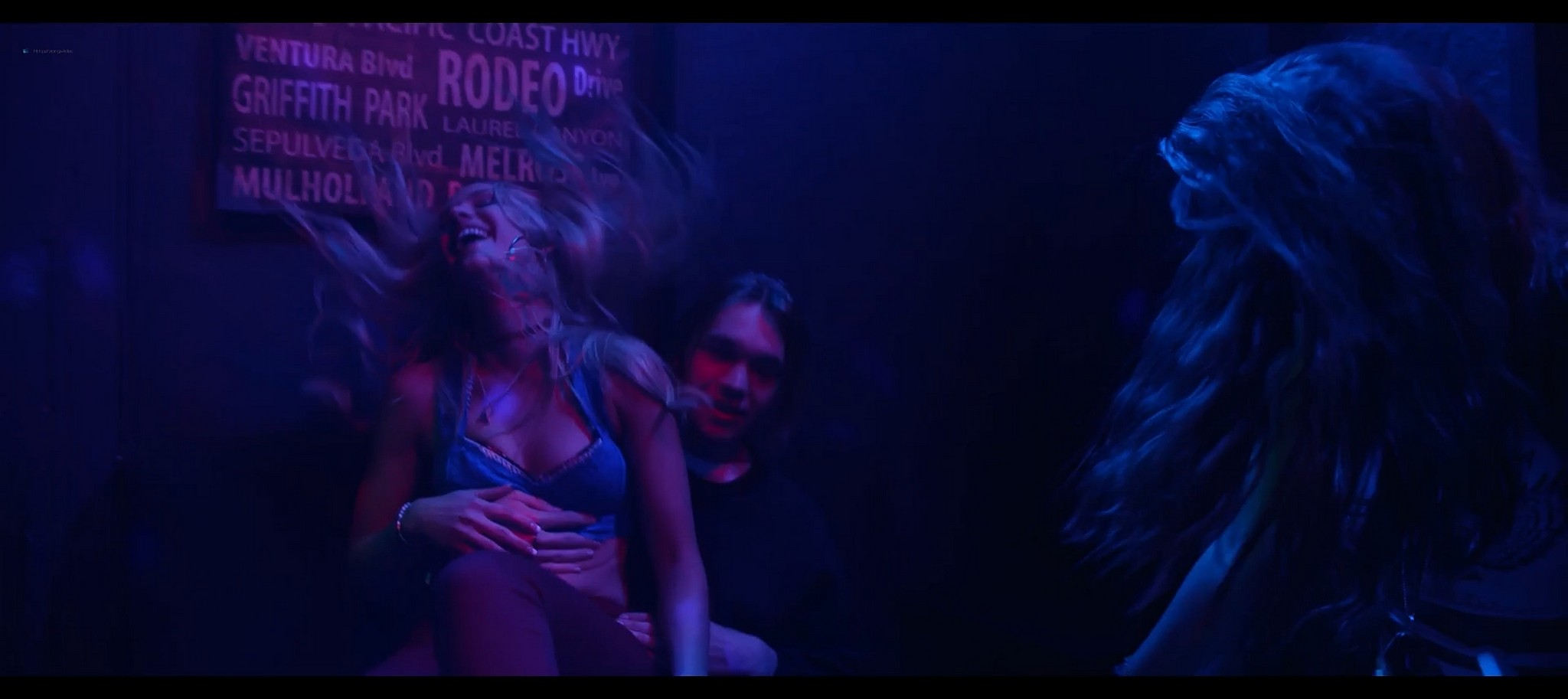 Amber Heard hot Madisen Hill Elizabeth Posey sexy Gully 2019 1080p Web 8
