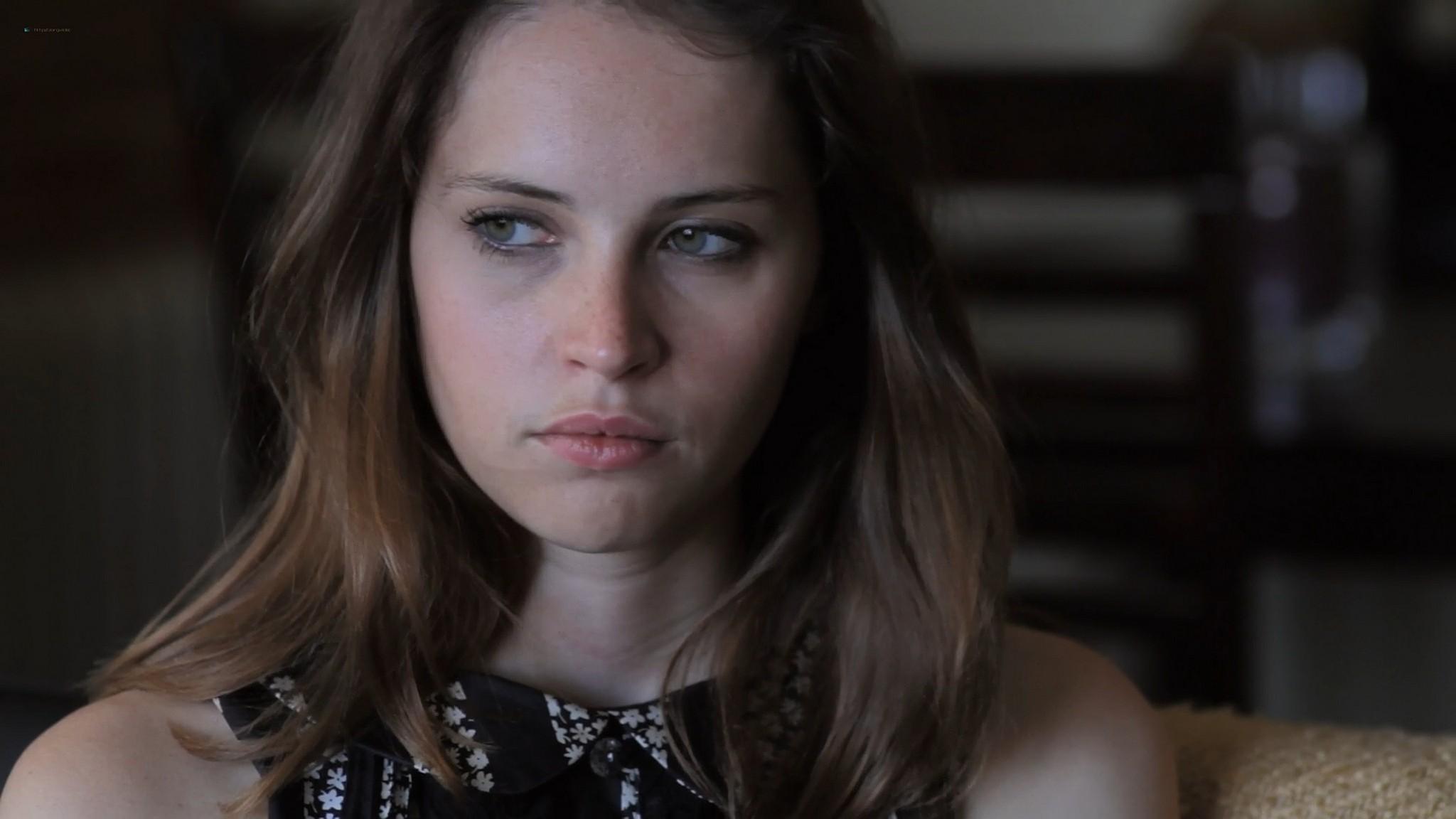 Felicity Jones sexy Jennifer Lawrence cute Like Crazy 2011 1080p BluRay 30