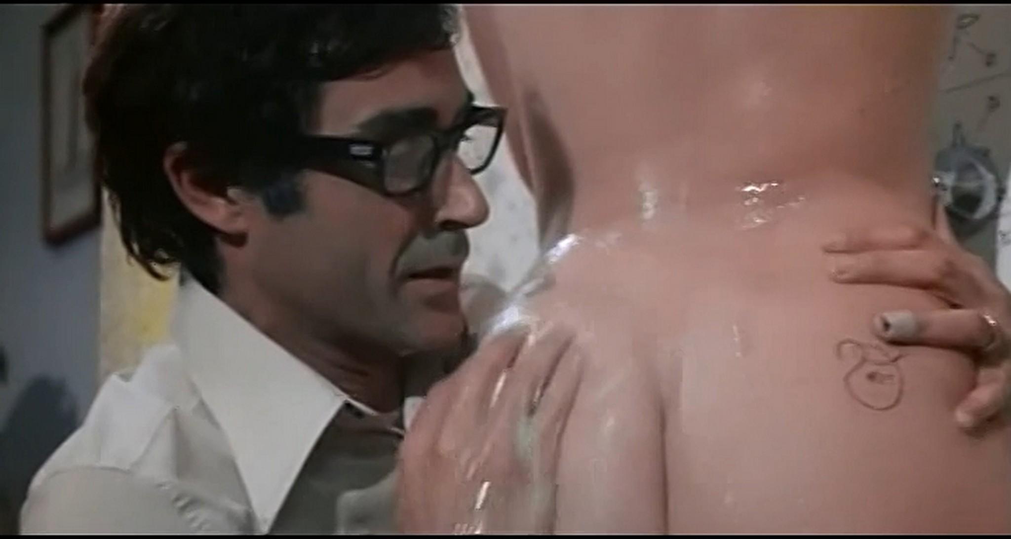 Gloria Guida nude full frontal Marilda Dona nude too L affittacamere IT 1976 DVDRip 11