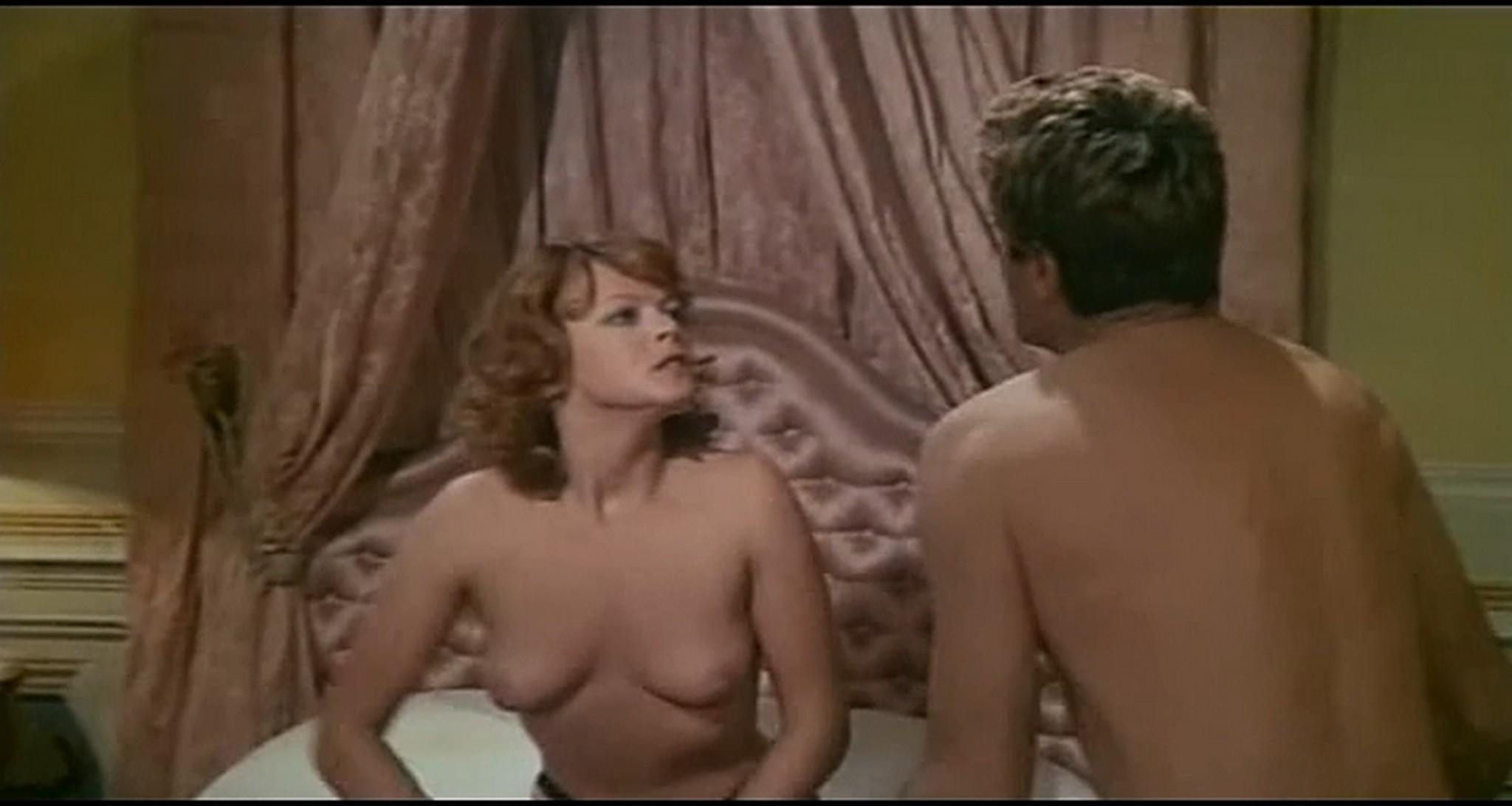 Gloria Guida nude full frontal Marilda Dona nude too L affittacamere IT 1976 DVDRip 12
